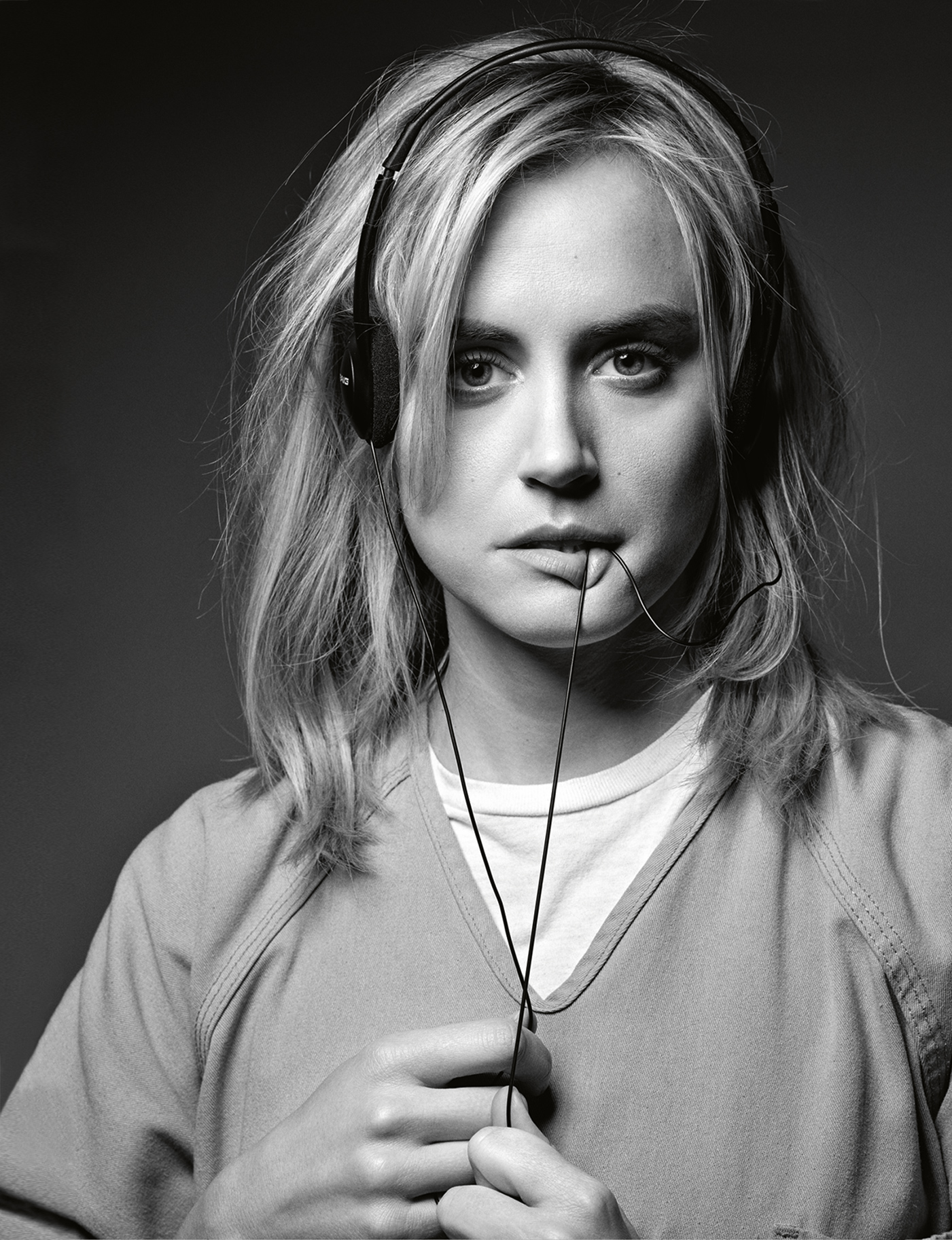 """'OITNB""""s Taylor Schilling: Why I Hate Social Media ...Taylor Schilling Age"""