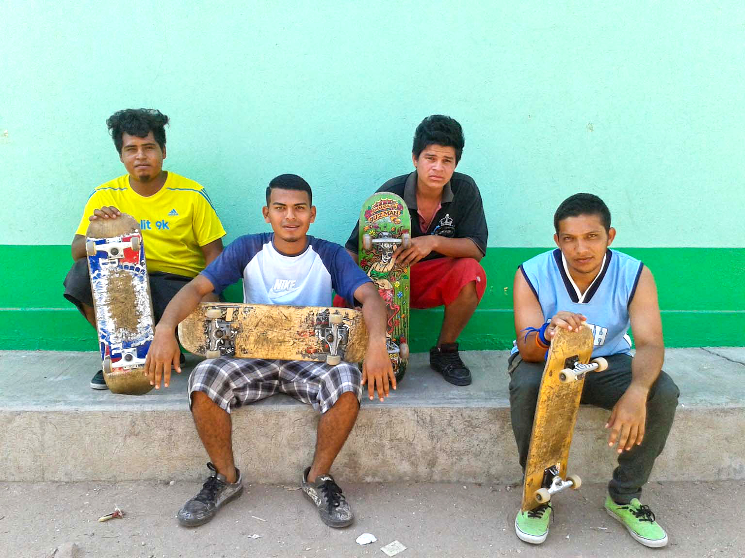 How Four Dudes Skated from El Salvador to the U.S. to Flee Gang Violence