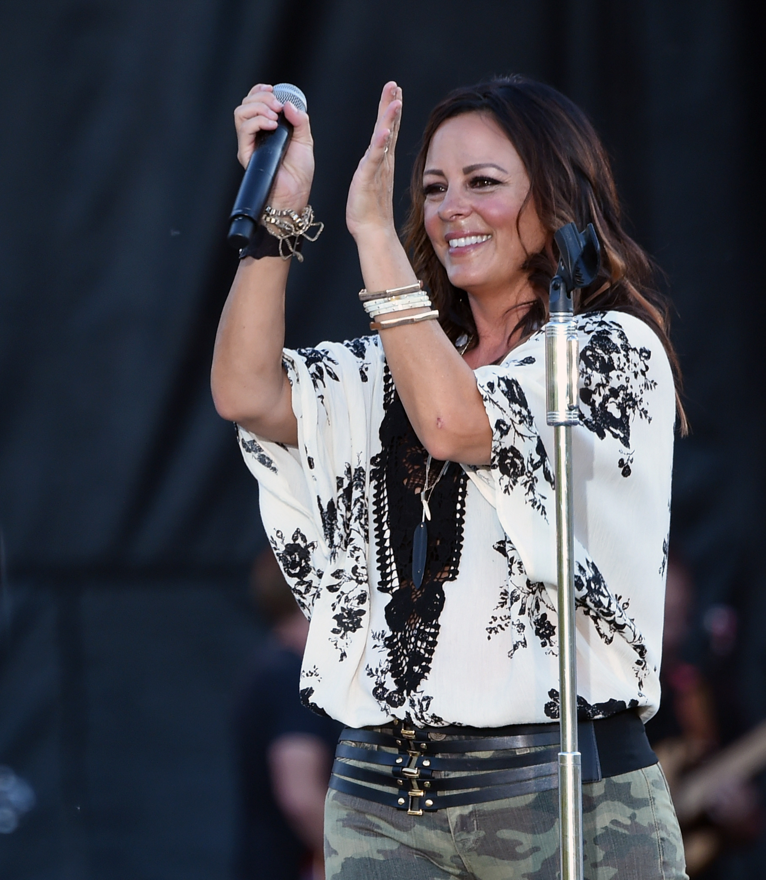 Sara evans reo speedwagon tapped for cmt crossroads rolling stone sara evans m4hsunfo