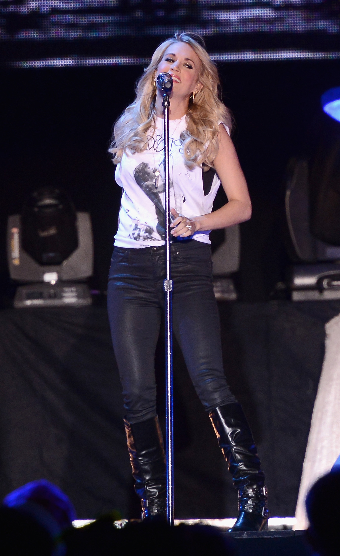 Carrie Underwood Receives 'Little Toy Guns' Salute