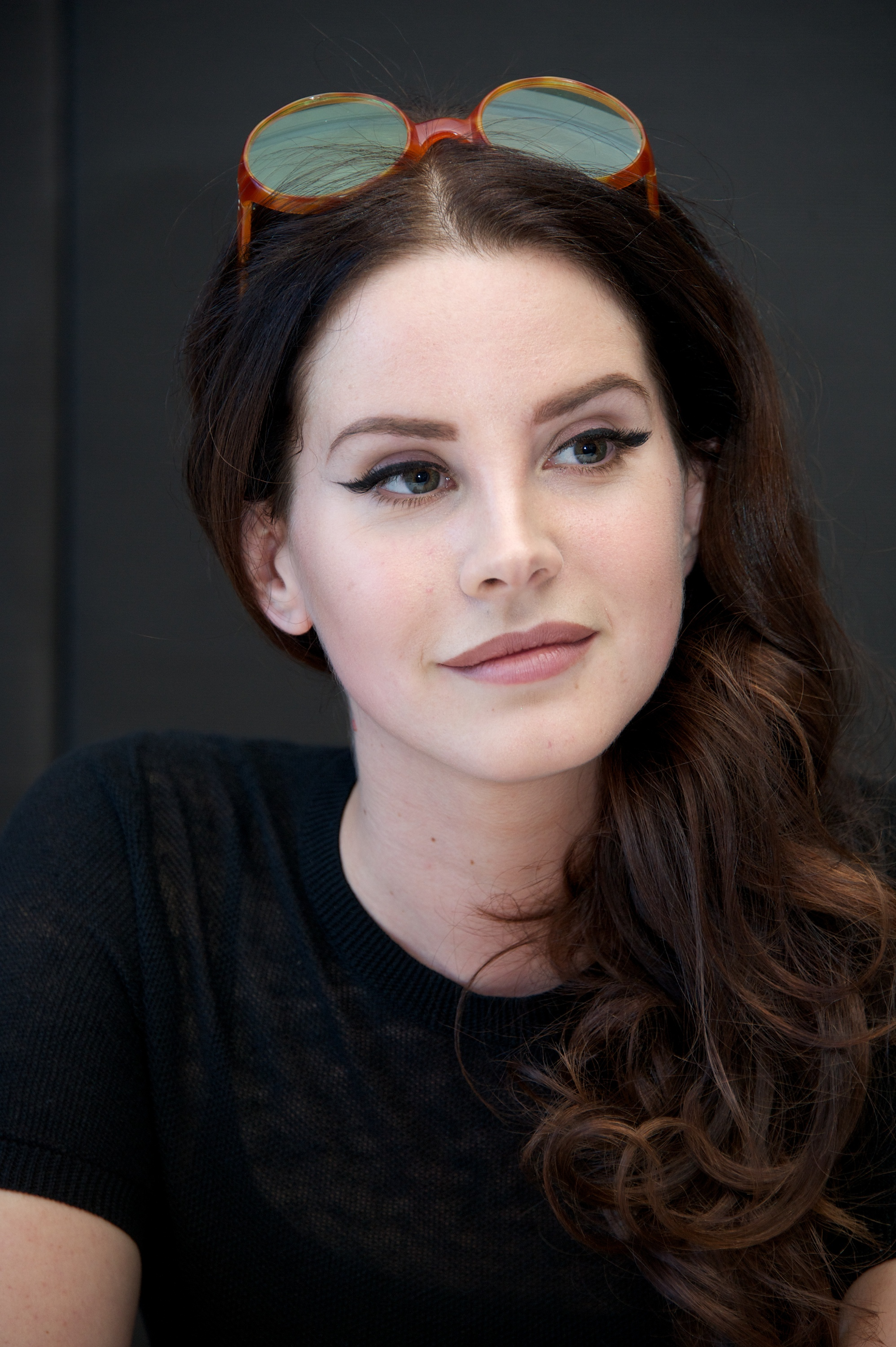 Lana Del Rey Clarifies 'Anti-Feminist' Comments to James Franco