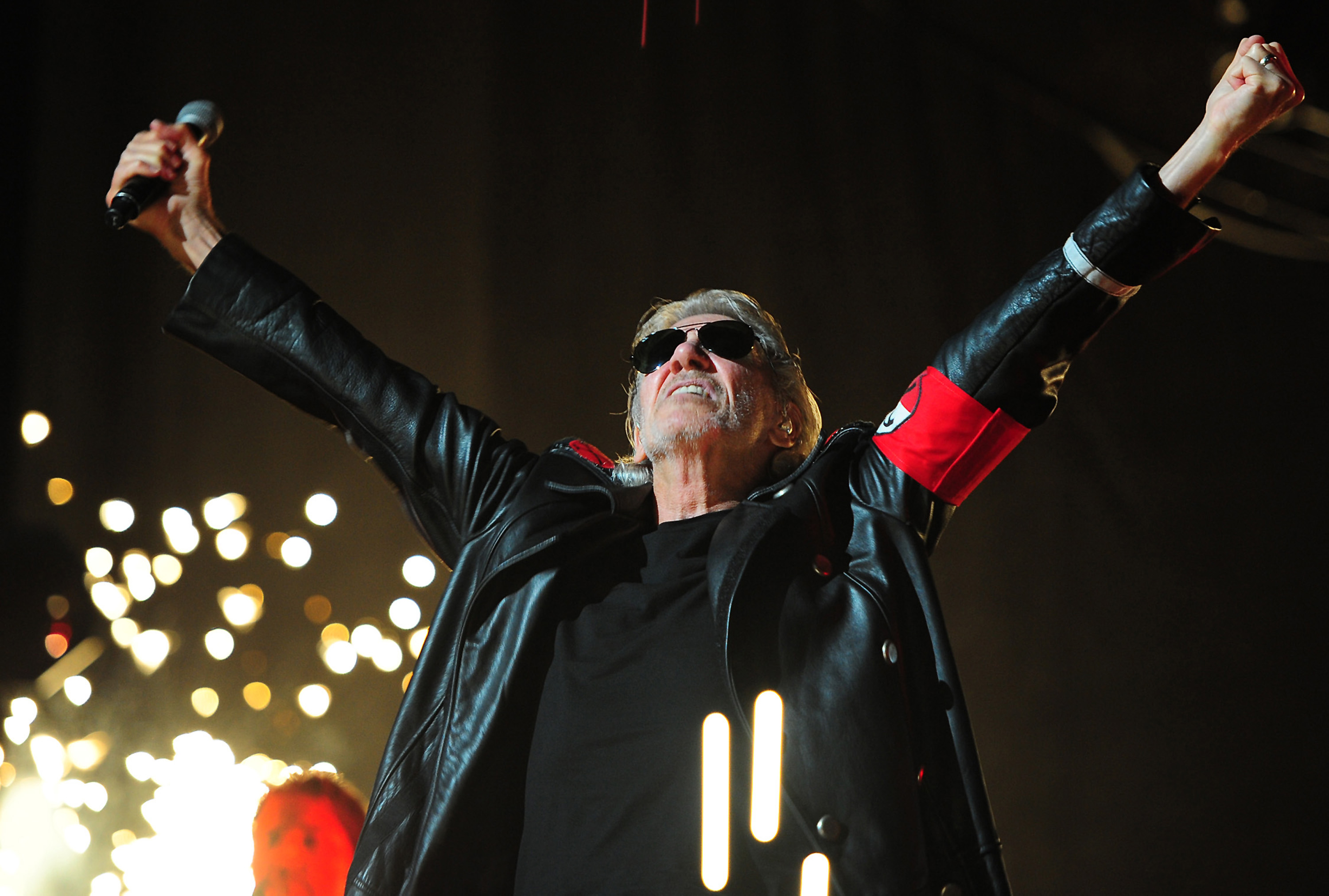 roger waters talks new 39 wall 39 film floyd tour with hendrix rolling stone. Black Bedroom Furniture Sets. Home Design Ideas