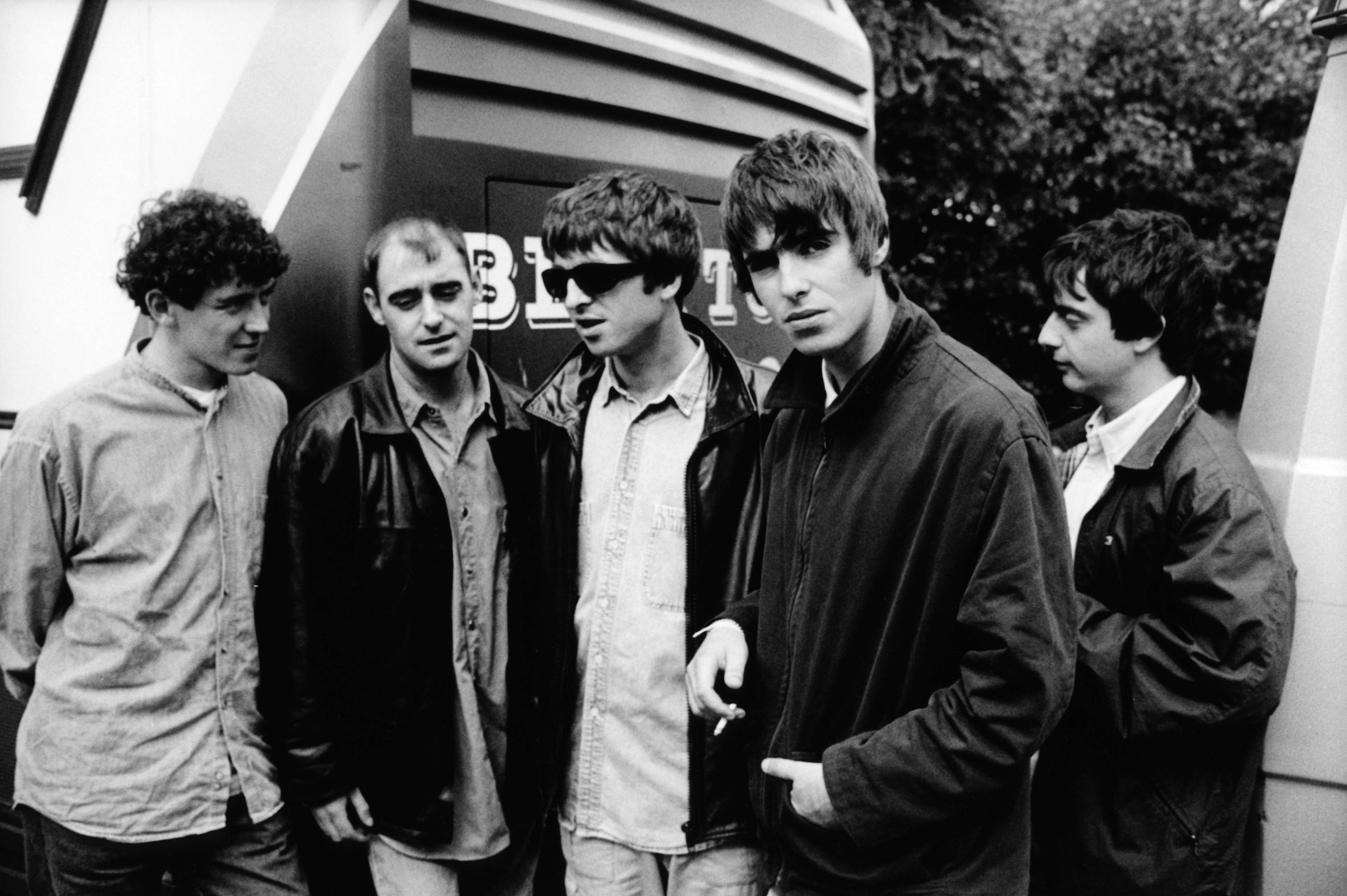 9528f42dc14d Here are 10 facts you might not have known about Oasis' 1995 masterpiece.