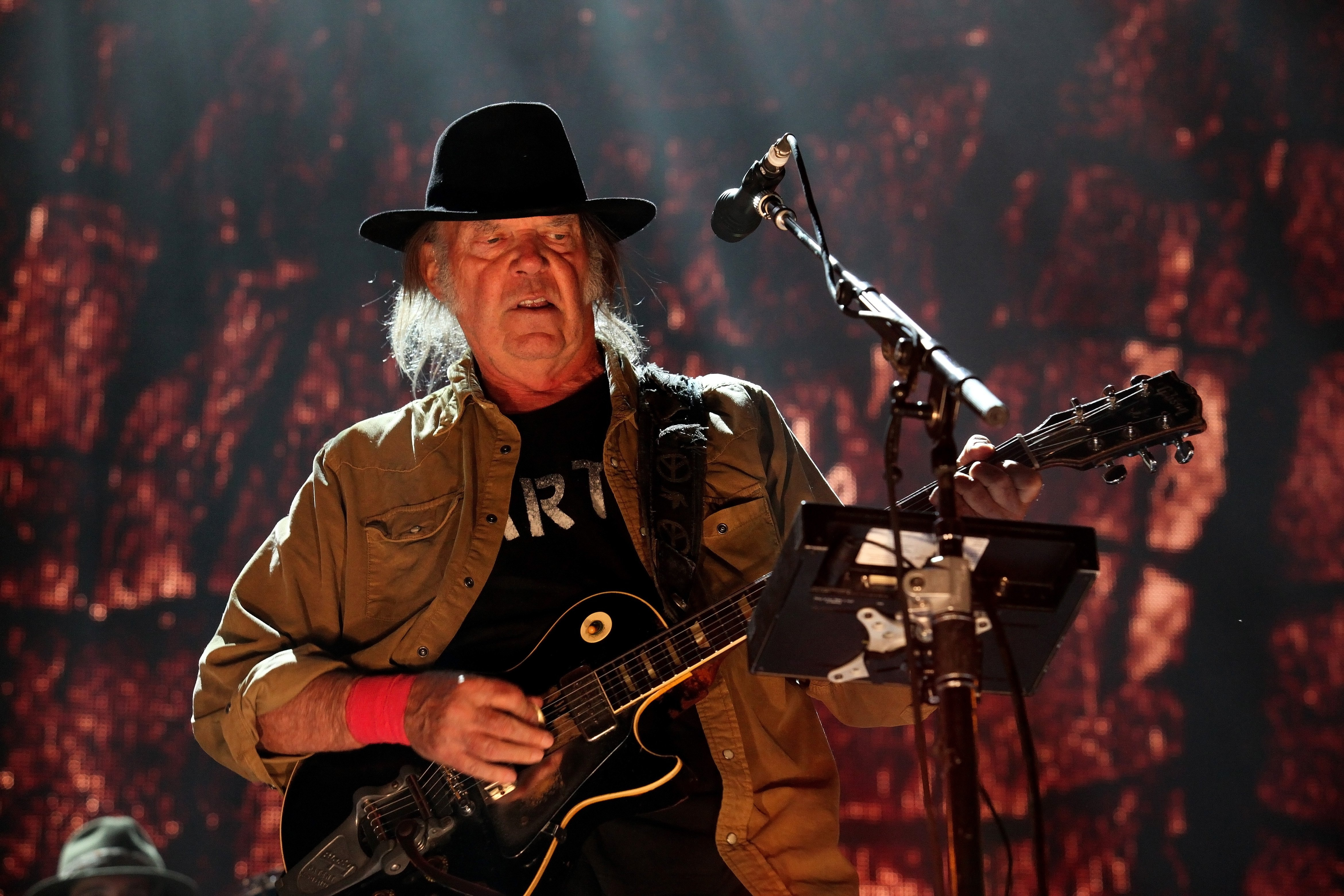 Neil Young Launches Conservation-Themed Website