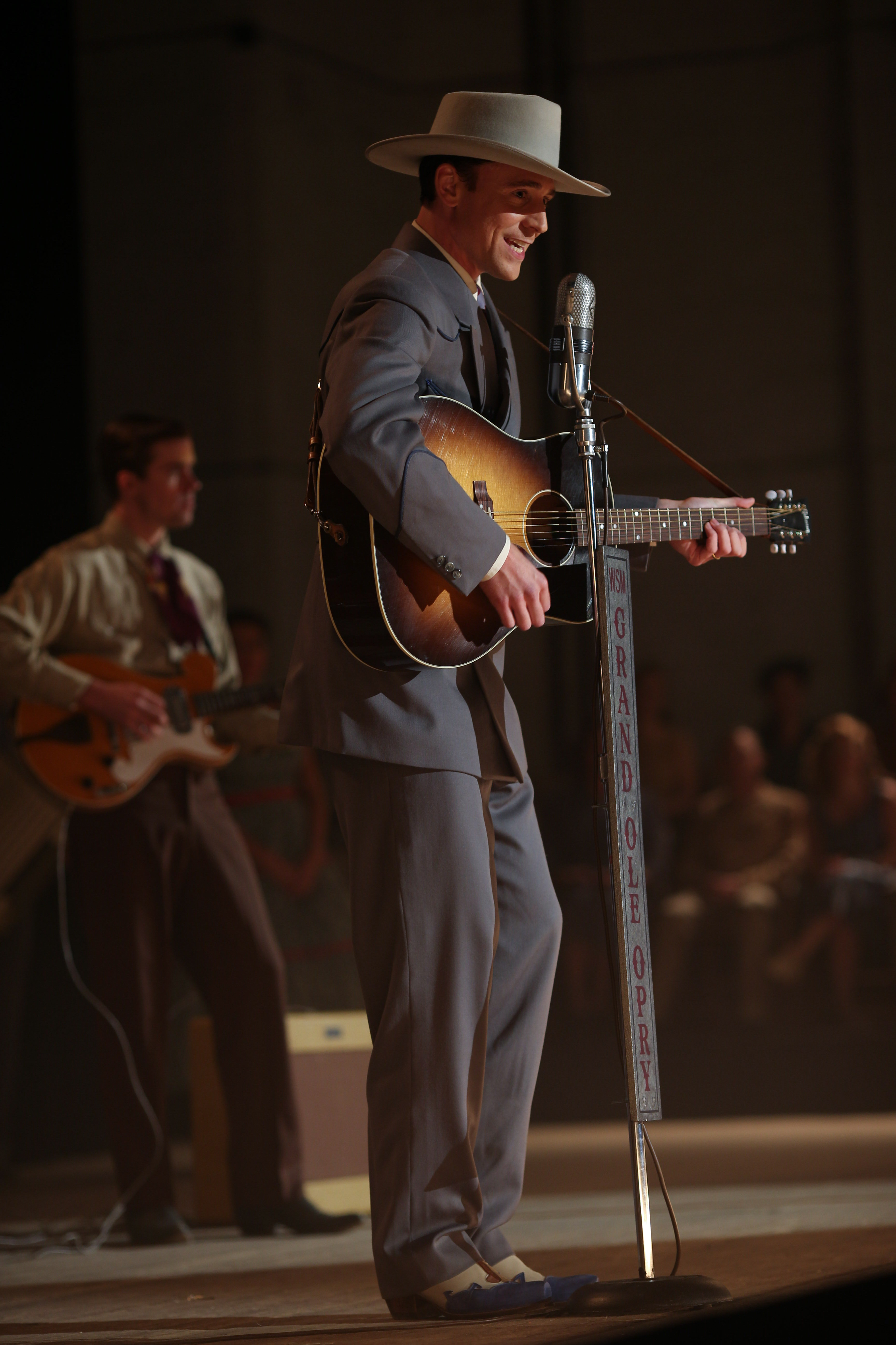 Becoming Hank How Tom Hiddleston Transformed Into A Country Icon