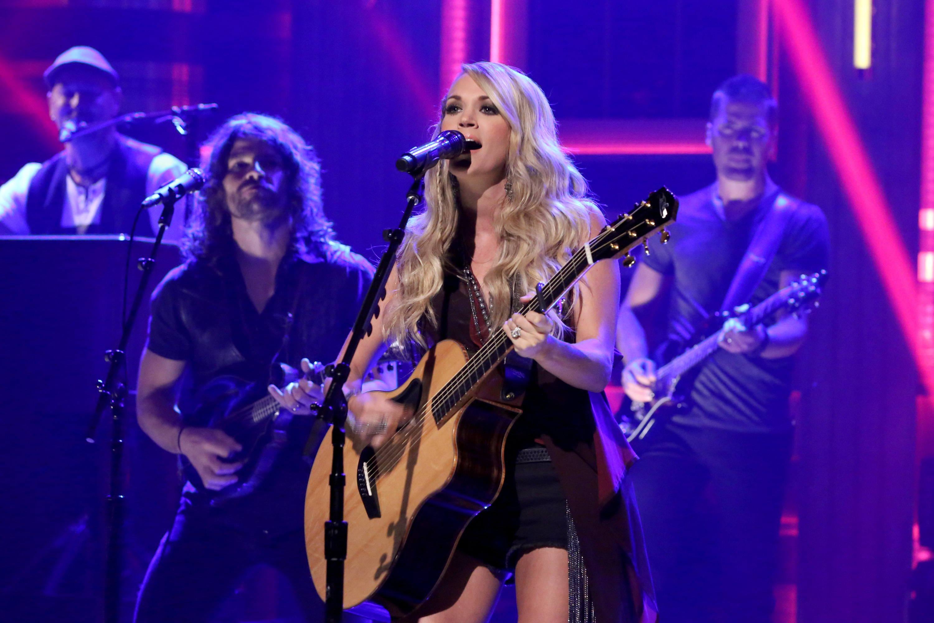 0acaf623b5d Carrie Underwood