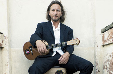 Eddie Vedder Performs New Tracks, Pearl Jam Deep Cuts at Solo