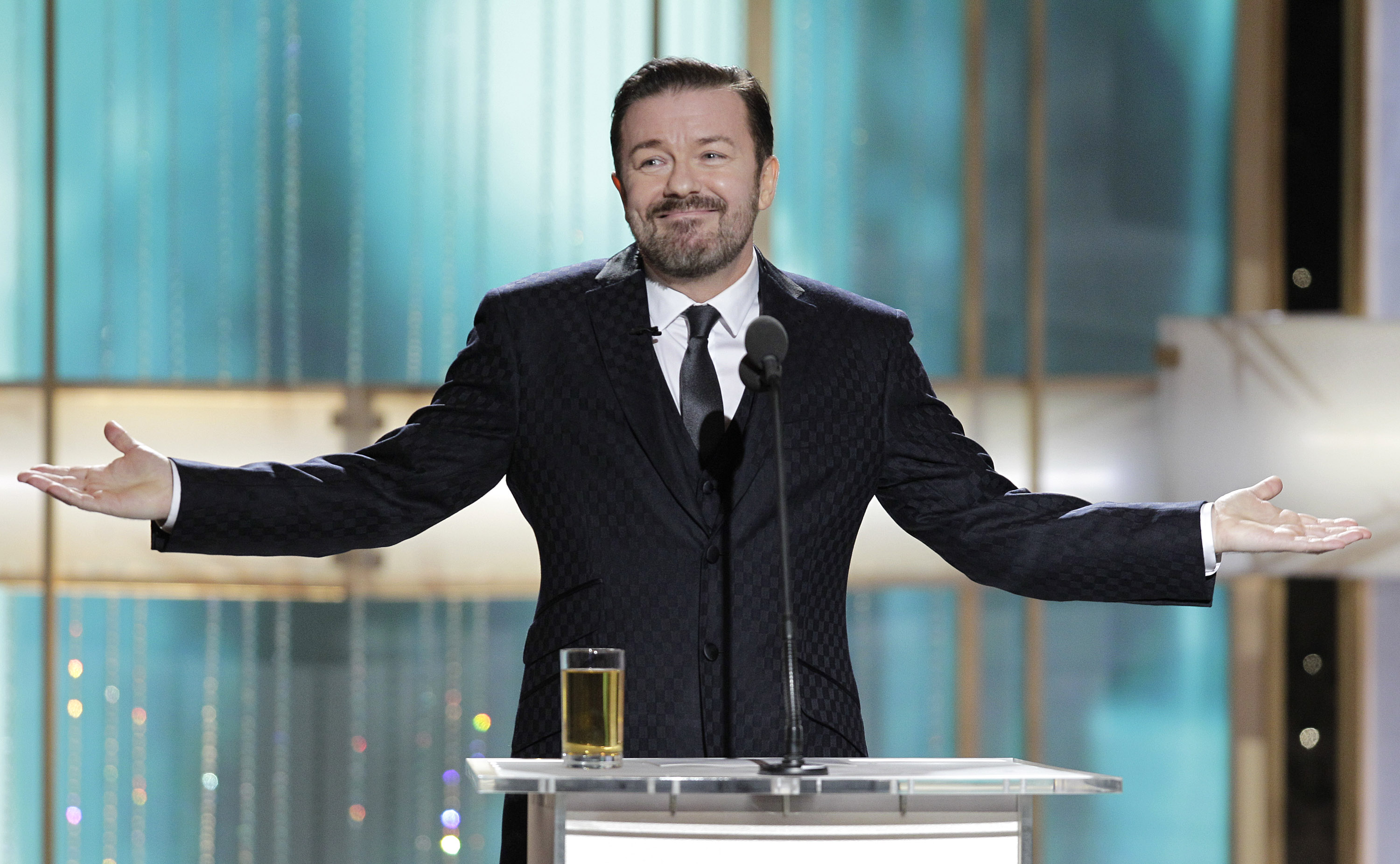 Ricky Gervais, 5-Time Golden Globes Host, Has a Few More ... |Ricky Gervais Movies