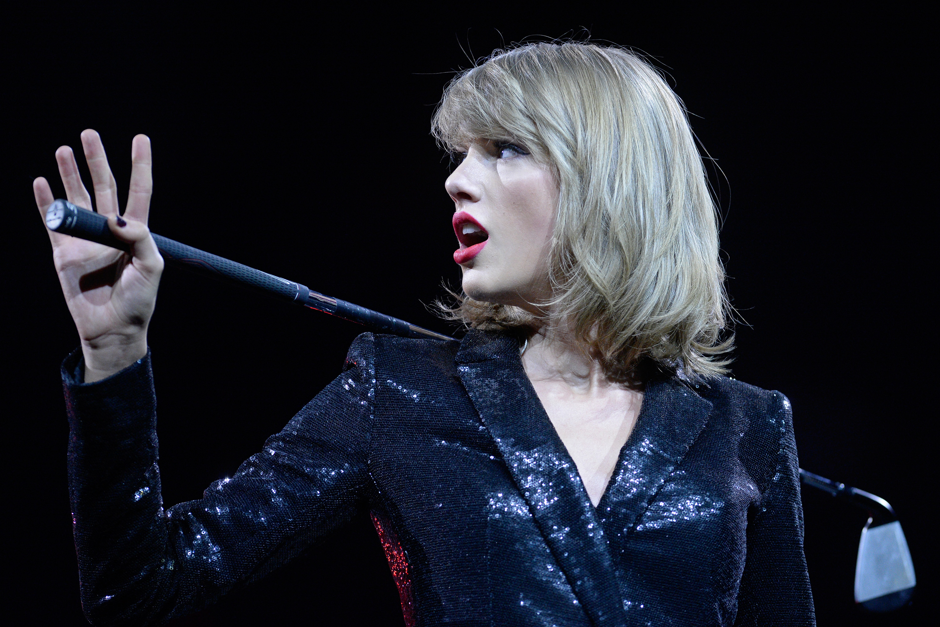 Taylor Swift Files Countersuit Against Radio Host Fired for Backstage Grope