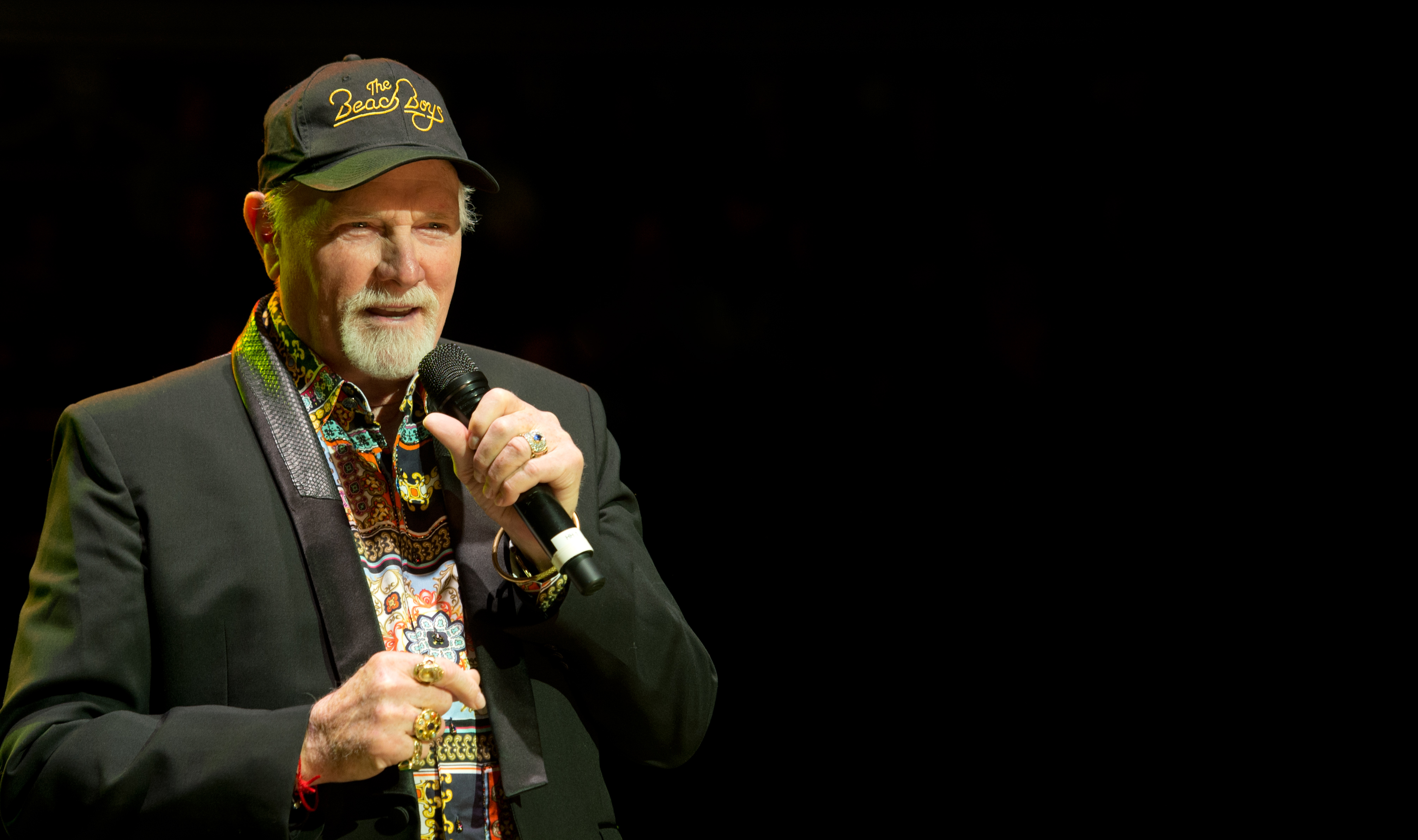 the beach boys mike love has dug up and revamped an old yuletide bootleg the bittersweet holiday cut youll never be alone on christmas day - Beach Boys Christmas Song