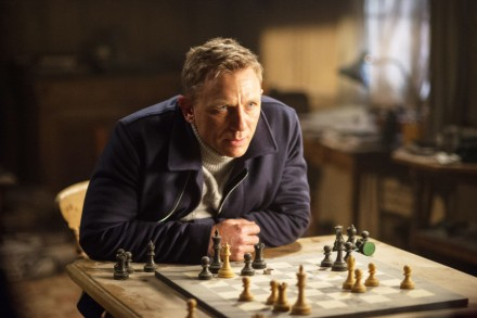 Spectre How The Multiverse Era Killed James Bond Rolling