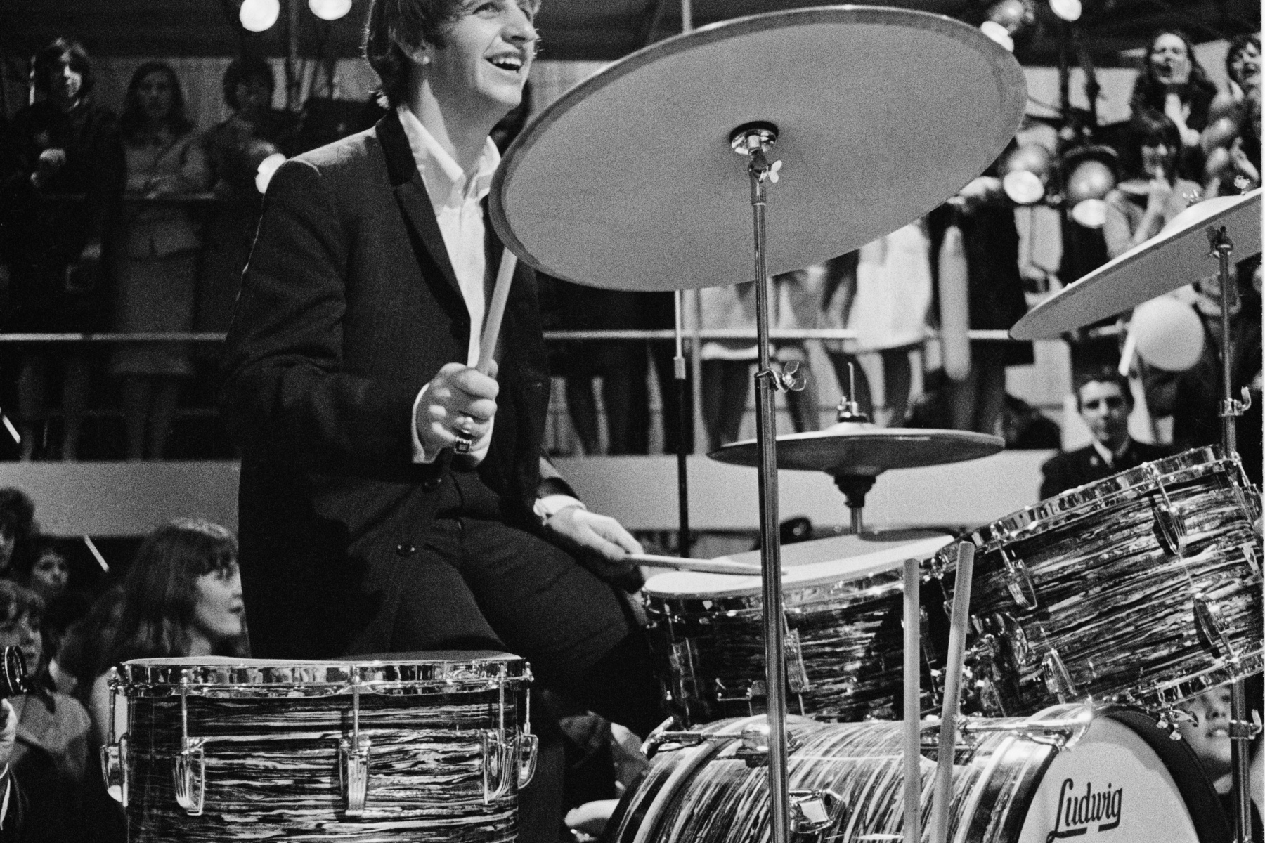 Ringo Starr Auction Features Can T Buy Me Love Drums Rolling Stone