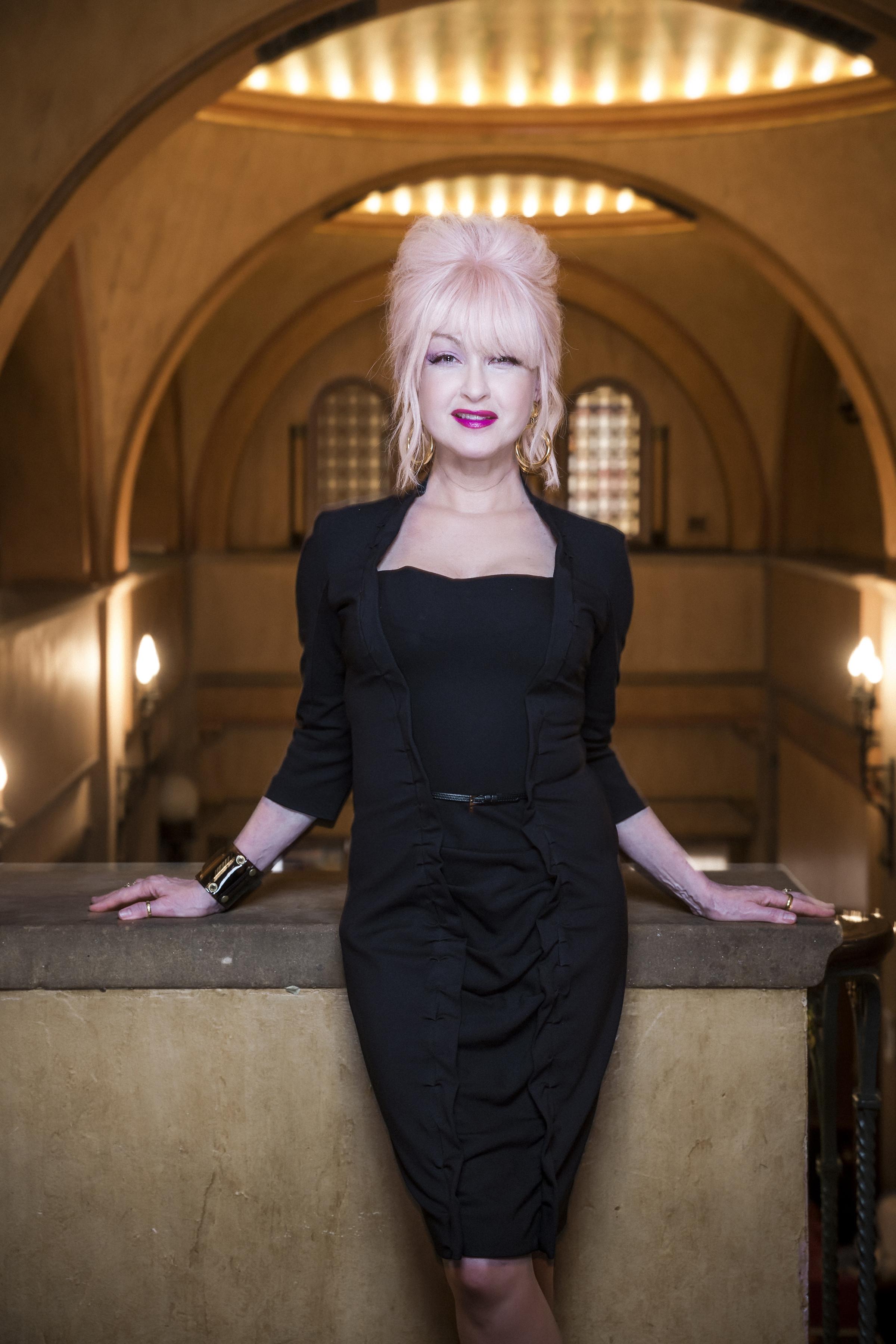 cyndi lauper - Dolly Parton Hard Candy Christmas