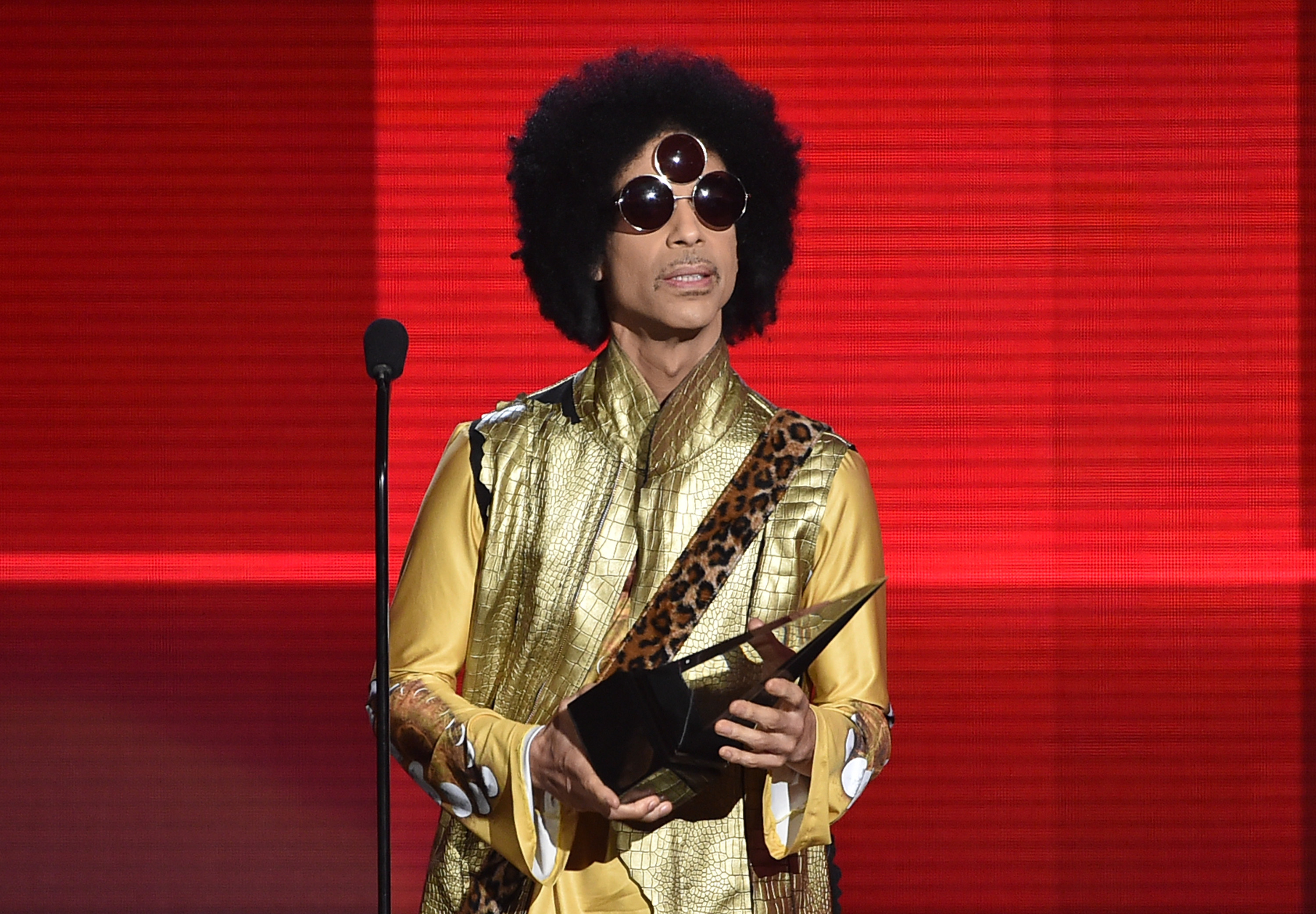 Prince Surprise-Releases New LP 'Hit N Run: Phase Two'