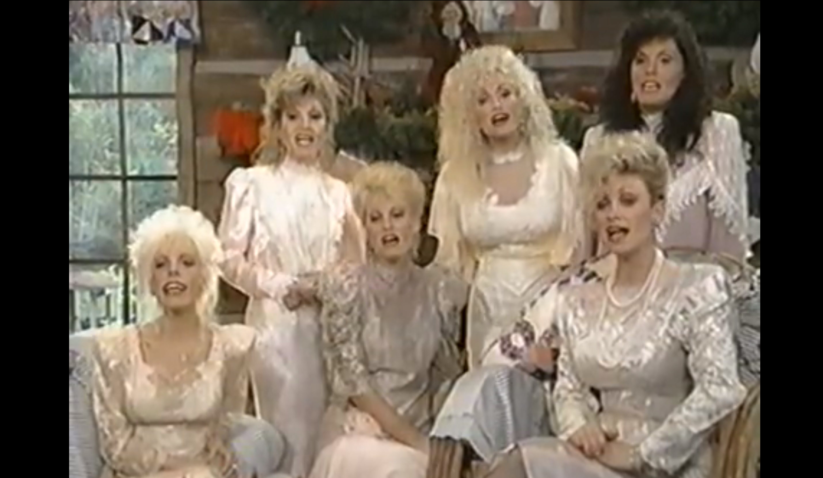 Dolly Parton And Sisters Sing O Little Town Of Bethlehem