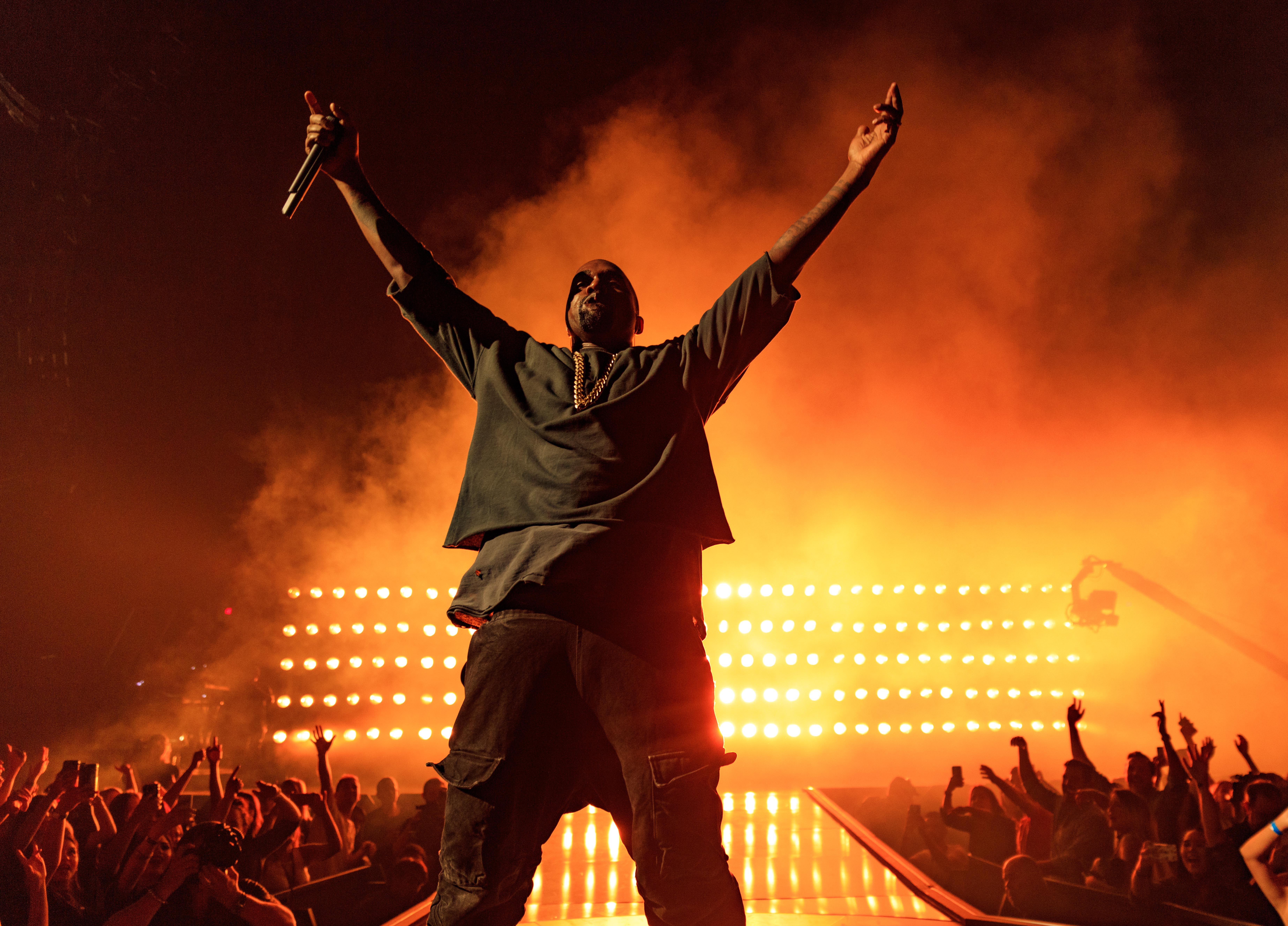 d076dc4f41b76 Kanye West Blasts Nike on New Song