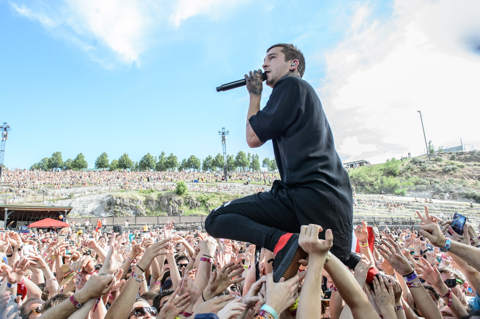 Twenty One Pilots  Inside the Biggest New Band of the Past Year ... c0c6ffc27cd