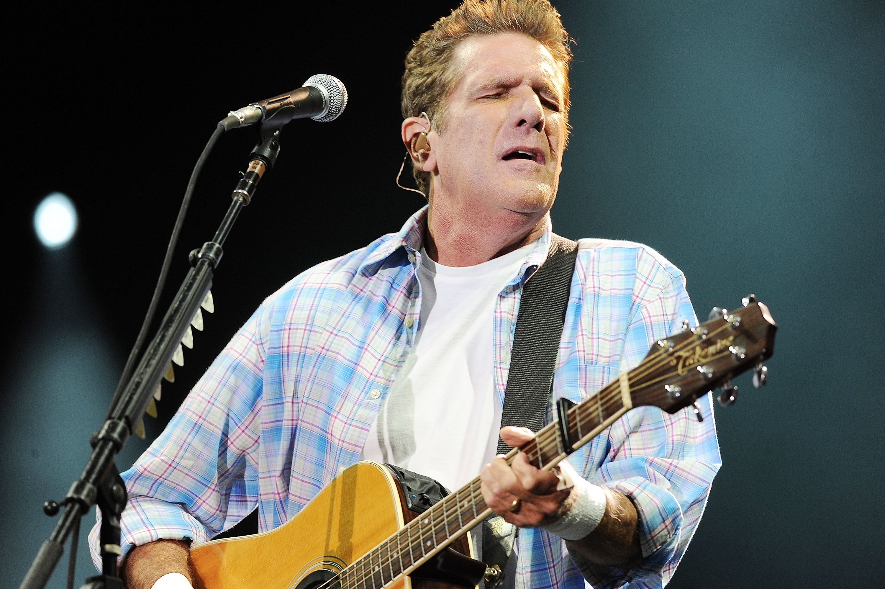 Glenn Frey, Eagles Guitarist, Dead at 67