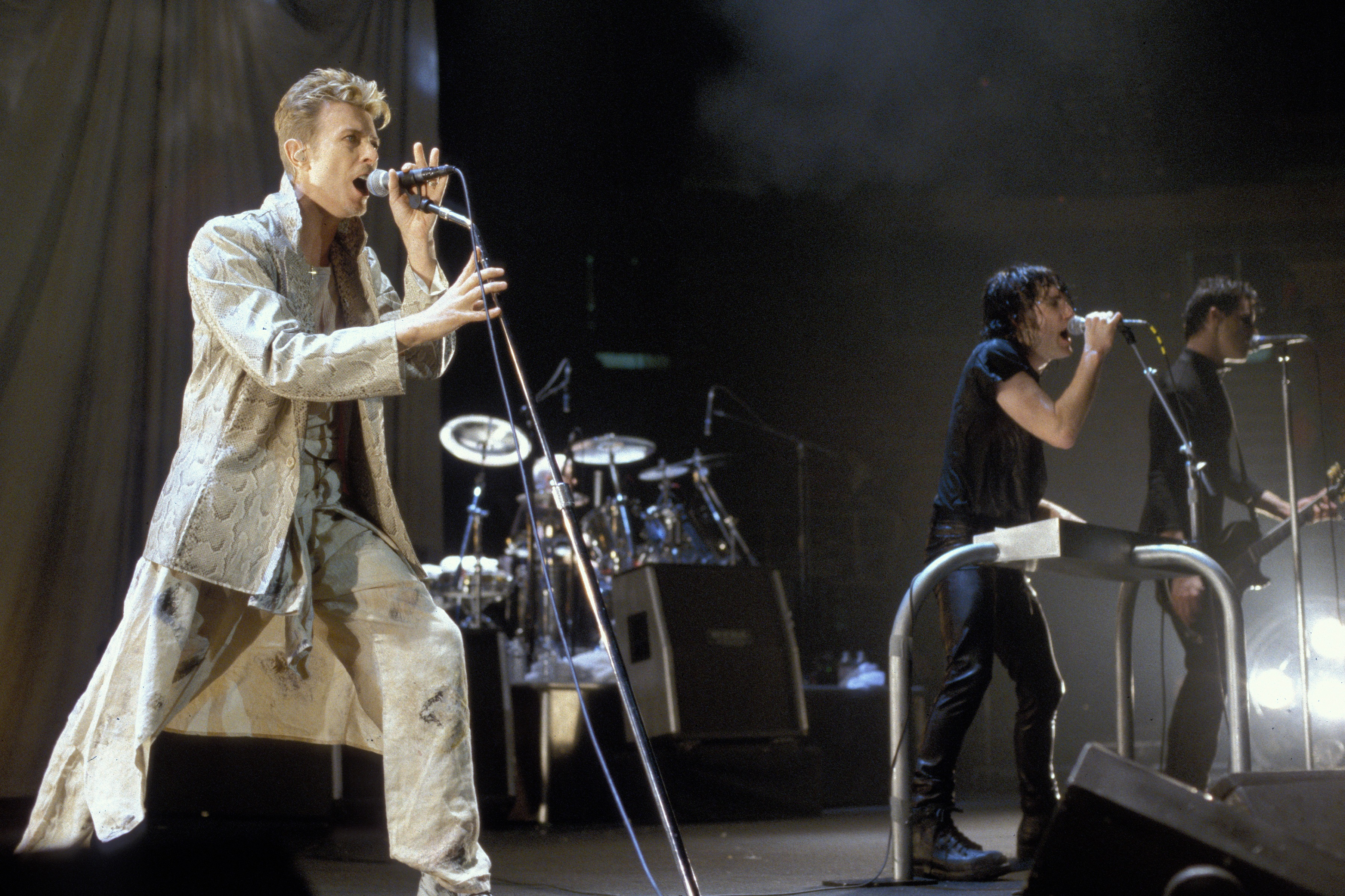 Flashback: David Bowie Sings \'Hurt\' With Nine Inch Nails – Rolling Stone