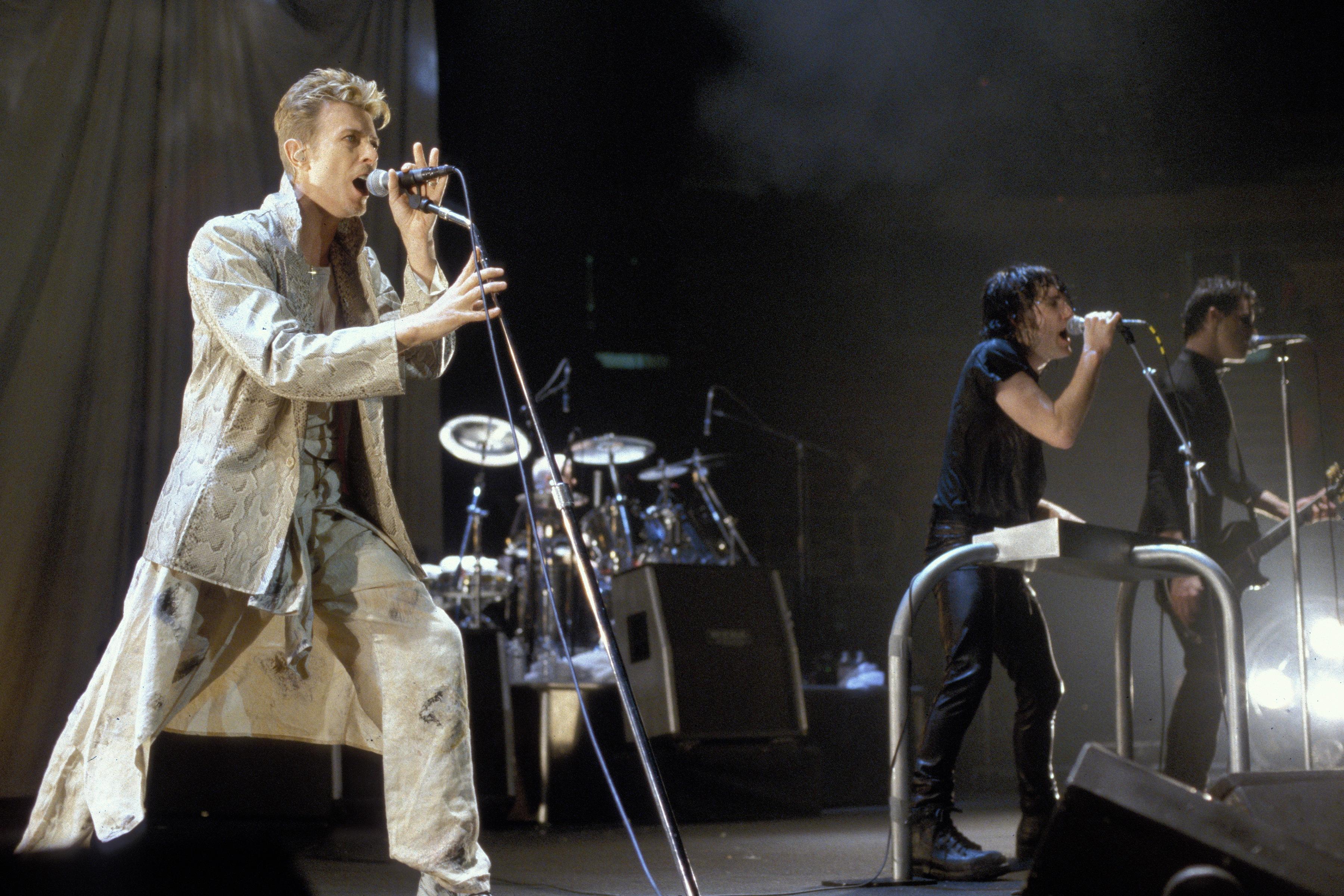 Trent Reznor Recalls How David Bowie Helped Him Get Sober – Rolling