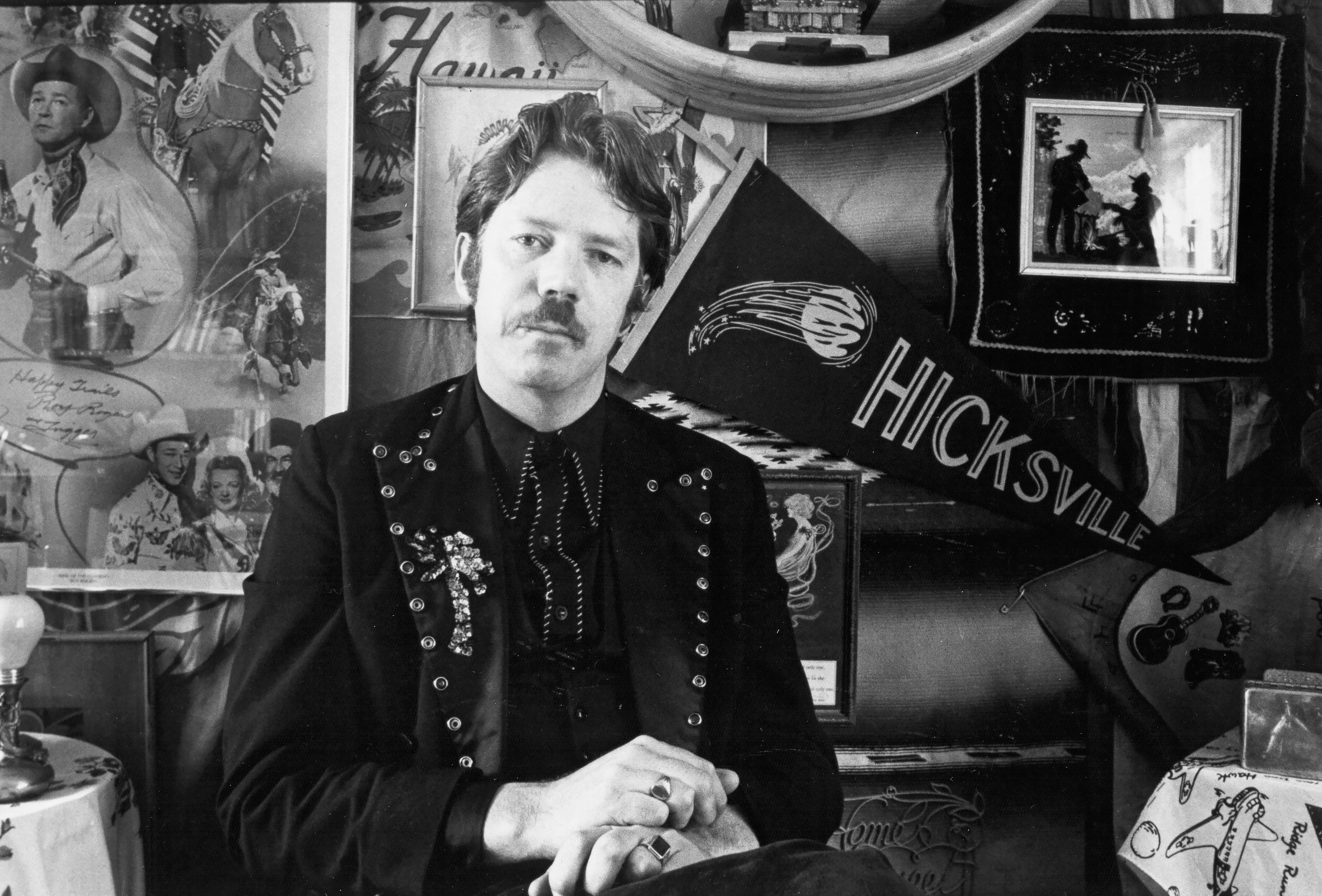 Dan Hicks, Hot Licks Singer, Dead at 74