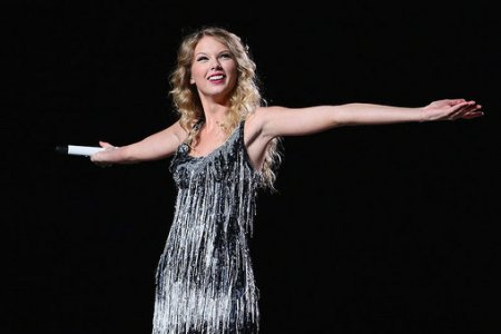 Taylor Swift Fearless At New York S Madison Square Garden Rolling Stone