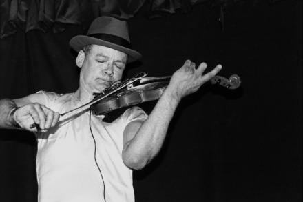 Tony Conrad: 10 Essential Recordings From the Drone Pioneer