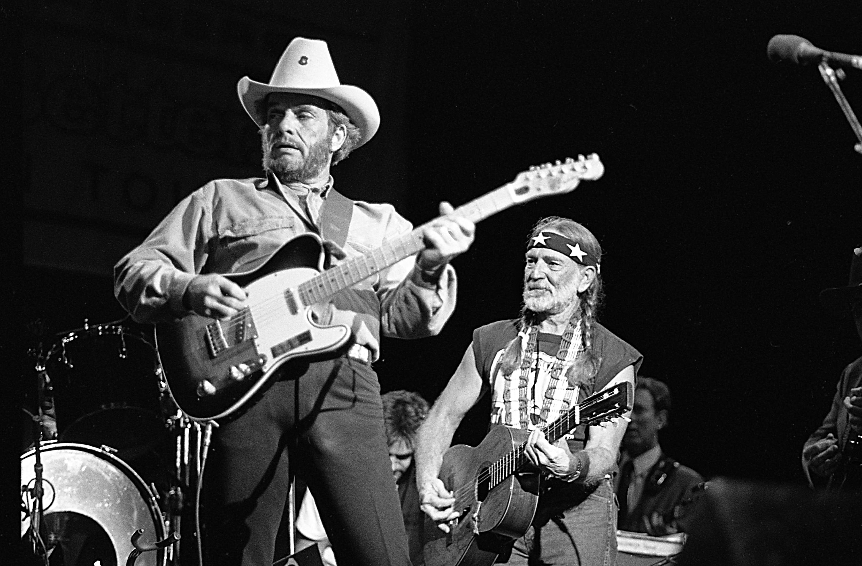 Willie Nelson on Merle Haggard: 'We Had a Lot of Fun Together' - Rolling  Stone