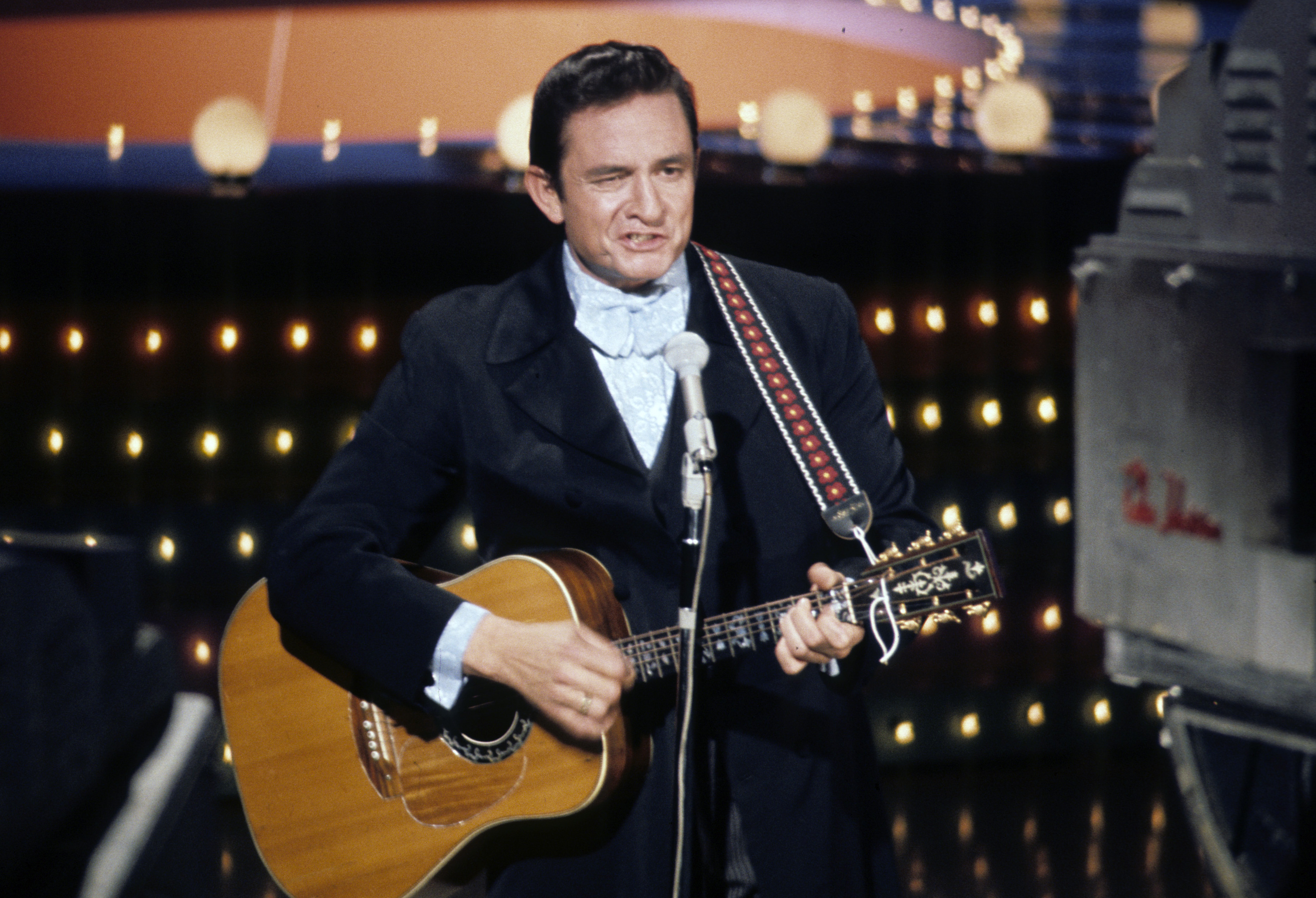 Flashback Johnny Cash Releases Ring Of Fire Rolling Stone