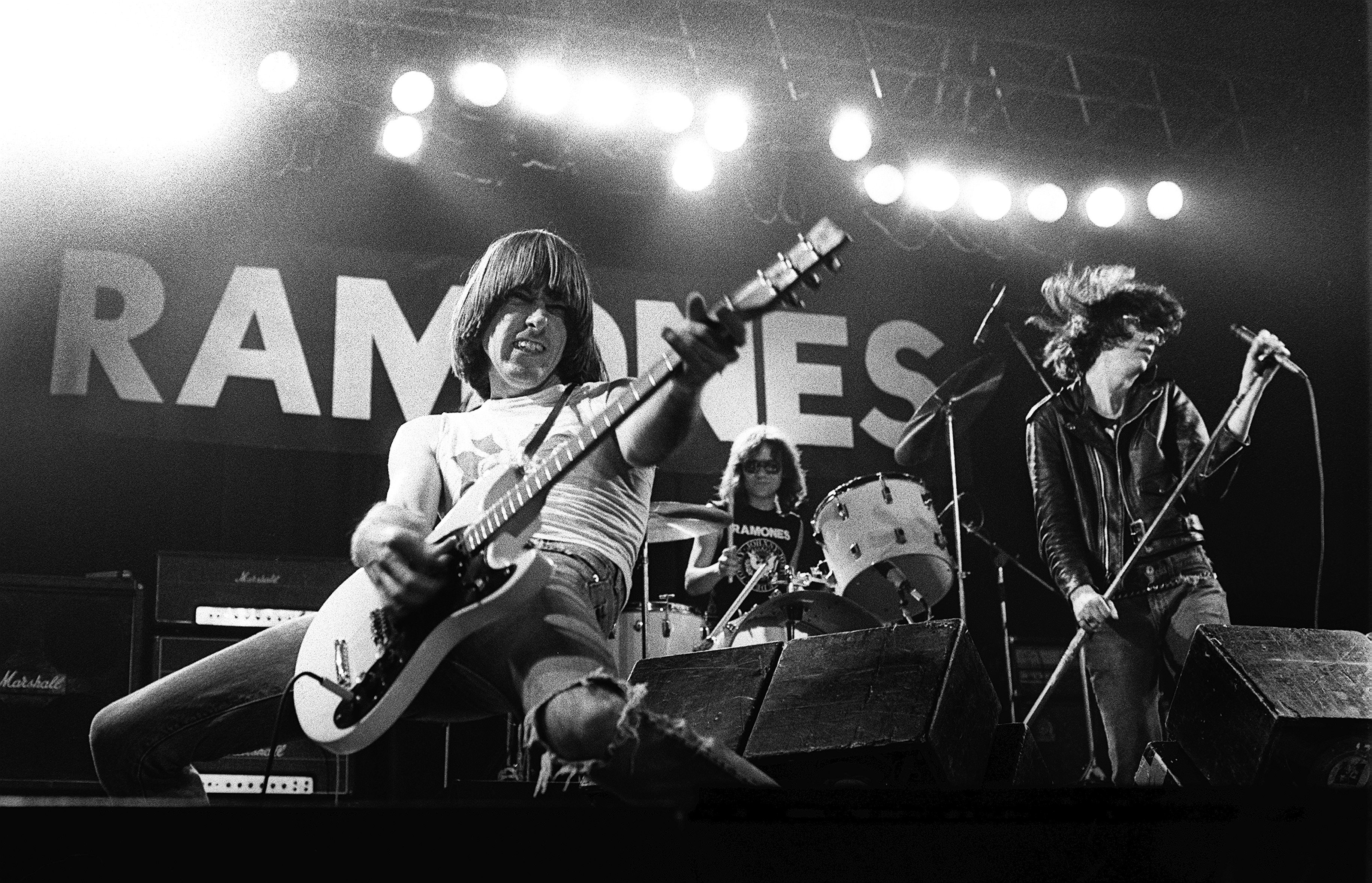 The Curse of the Ramones – Rolling Stone f689e6109a99