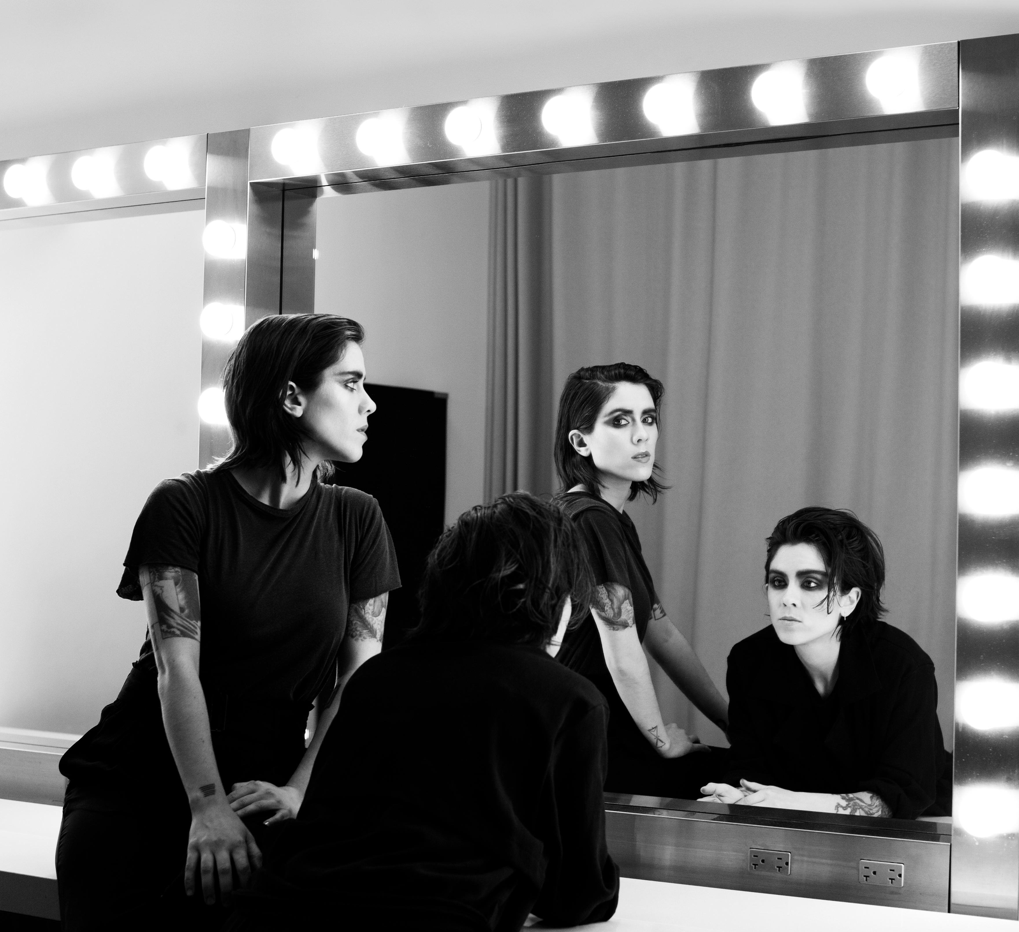 Tegan And Sara S Quin On Sibling Conflict Anti Wedding. Tegan And Sara  Living Room ...