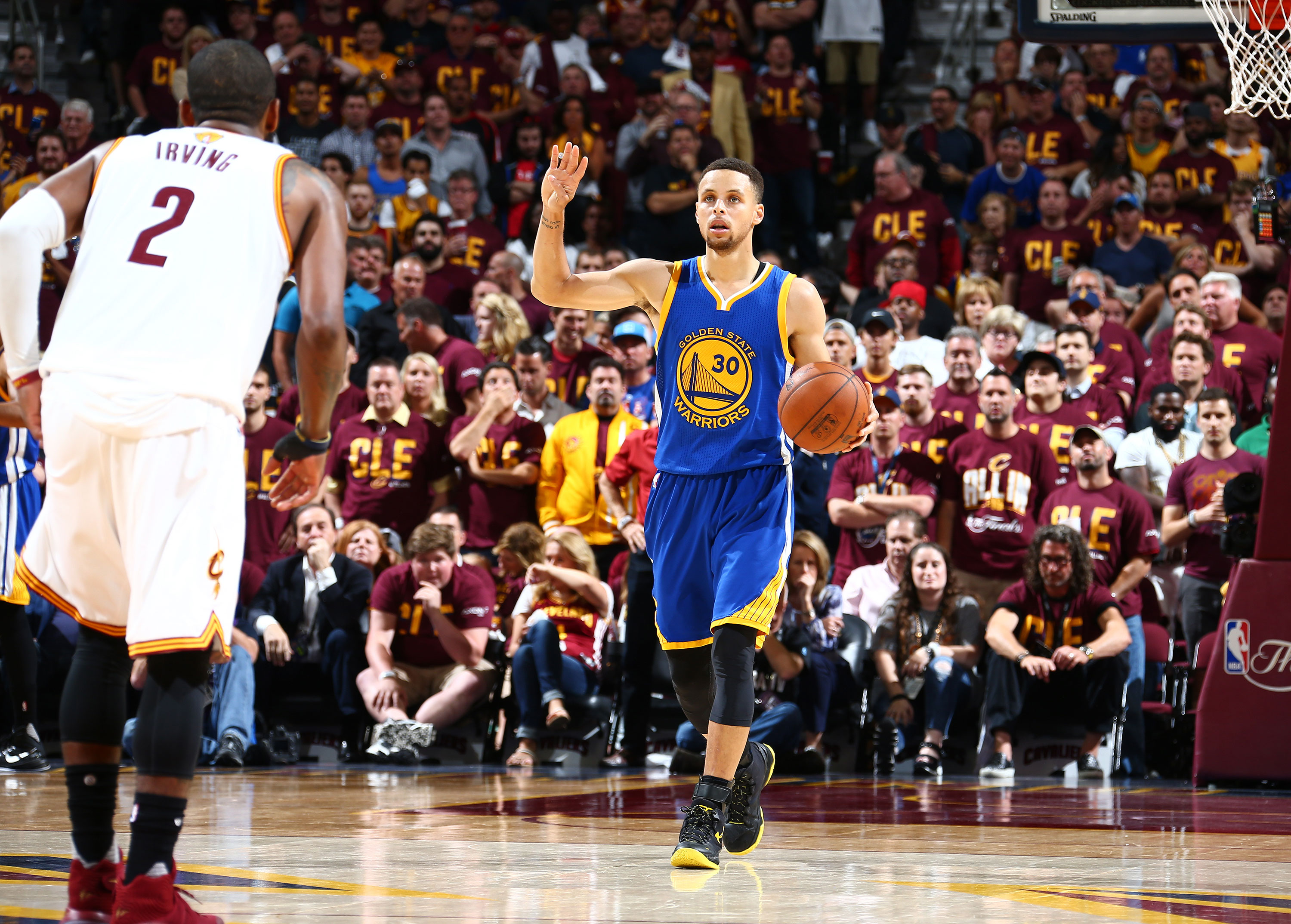 62103fca3fd8 NBA Finals  Steph Curry Leads Warriors to Stomp Cavs and Win Game 4 ...