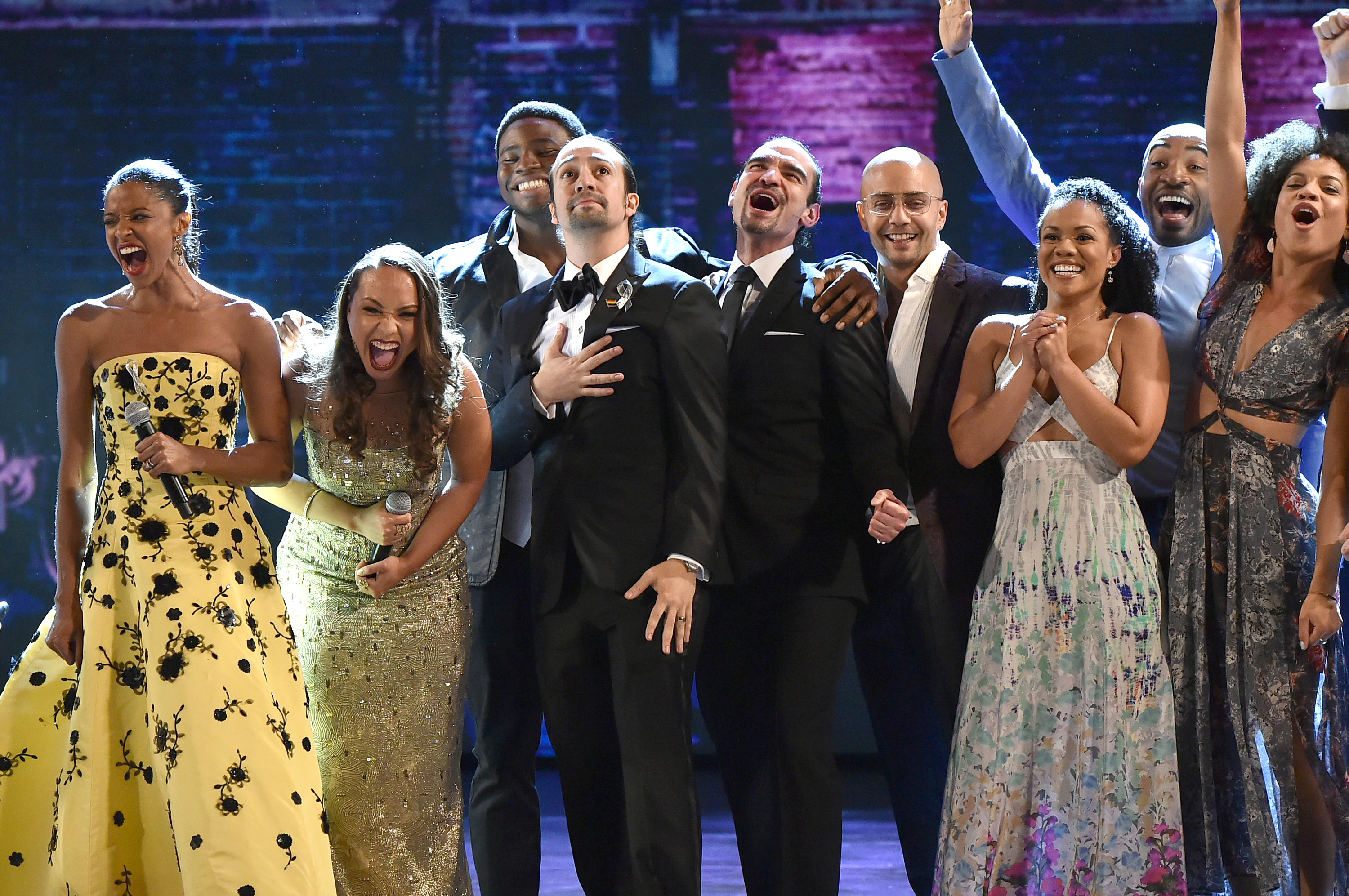 20 Best, Worst and WTF Moments at 2016 Tony Awards – Rolling