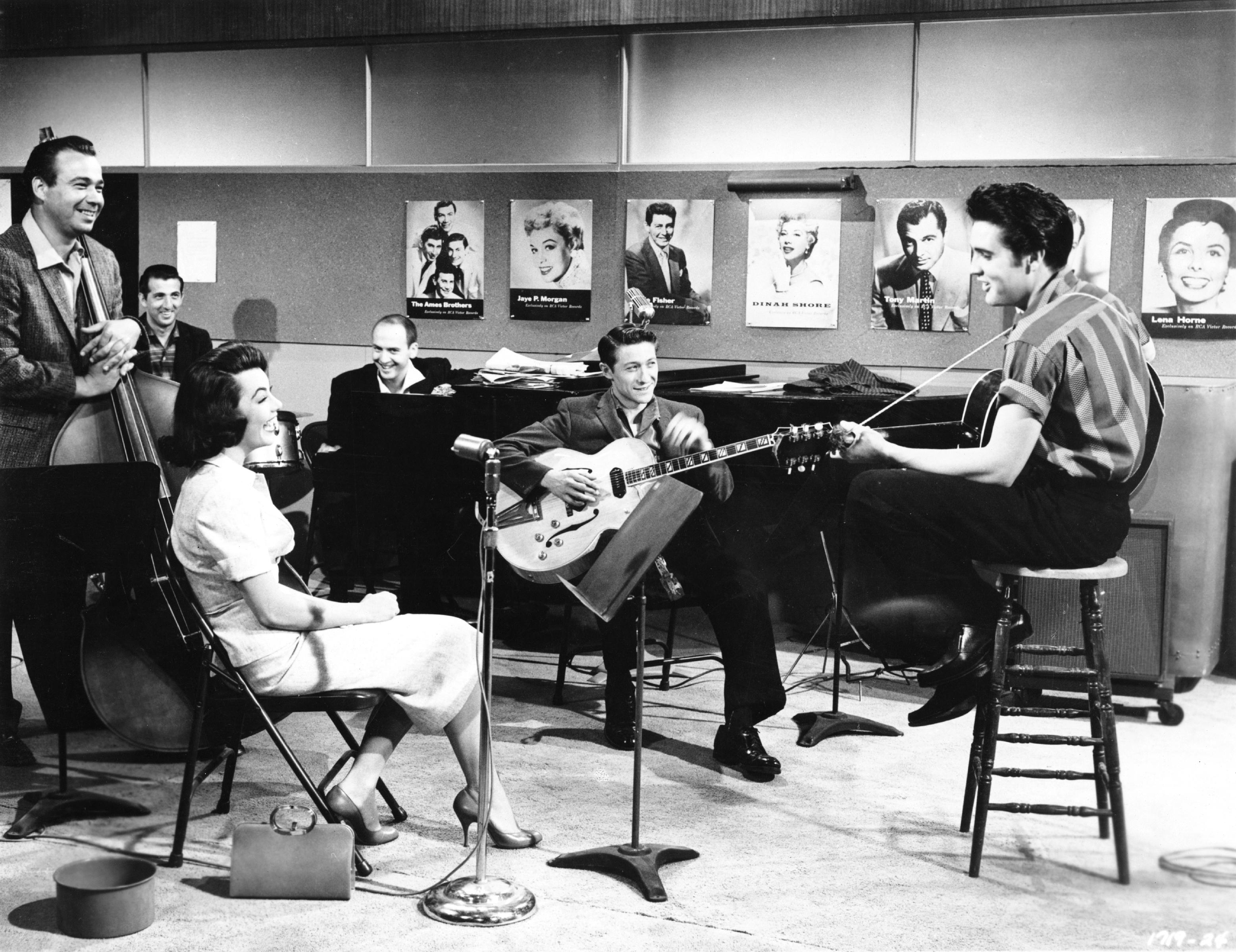 Scotty Moore Elvis Presley Guitarist Dead At 84 Rolling Stone