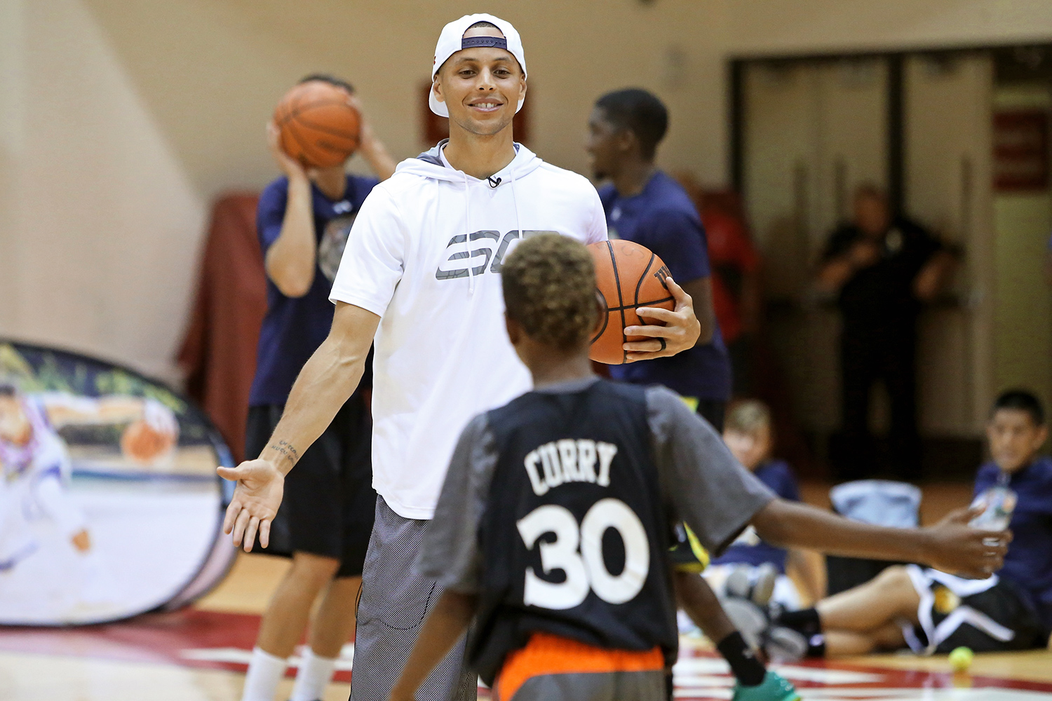 a71f176c2b71 Watch Steph Curry Destroy a Kid in One-on-One Basketball Game ...