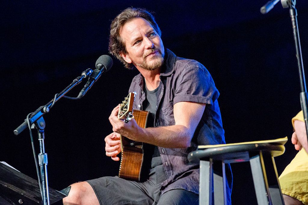 Watch Pearl Jam Perform 'Angel' for First Time Since 1994
