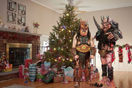 Heavy Metal Christmas Songs: 15 Tunes for Unsilent, Unholy