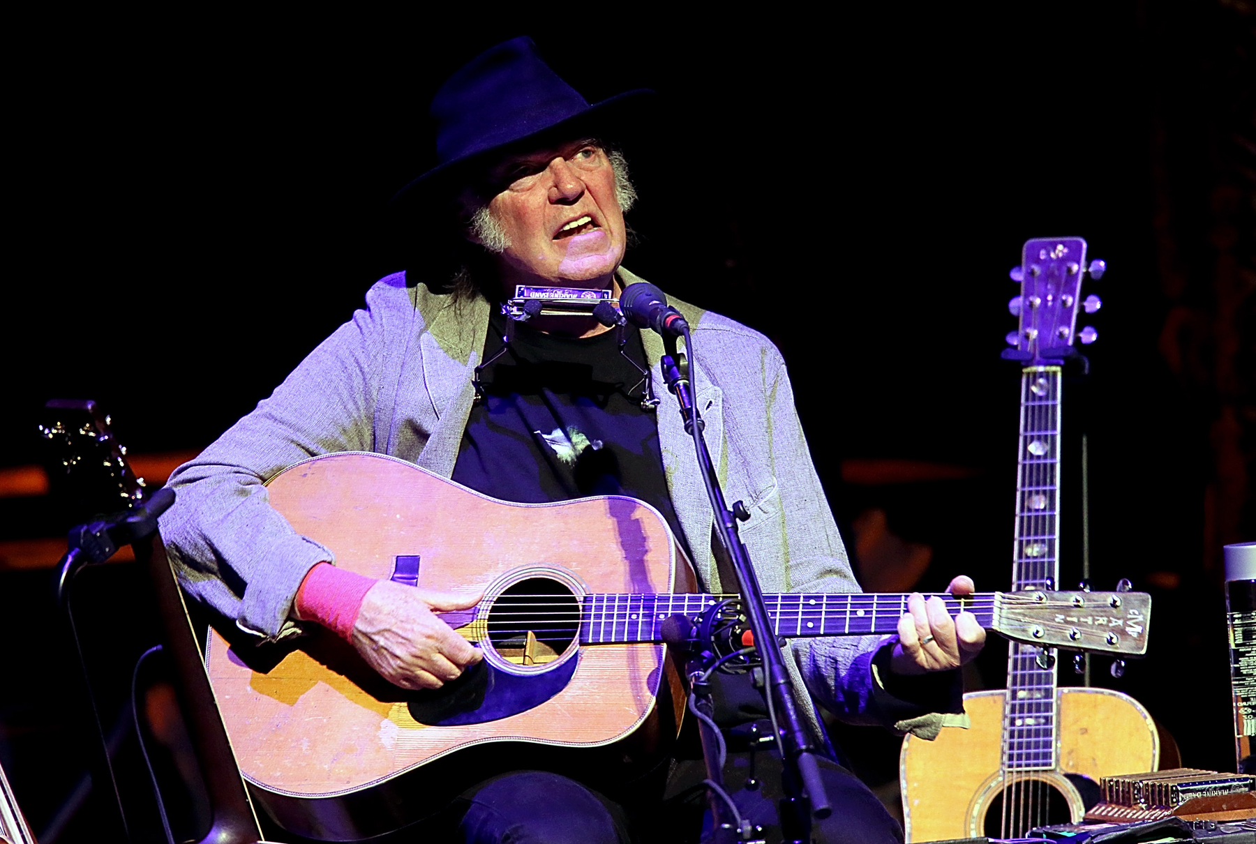 20 Insanely Great Neil Young Songs Only Hardcore Fans Know