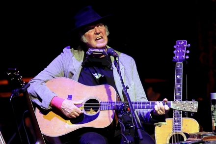 20 Insanely Great Neil Young Songs Only Hardcore Fans Know – Rolling
