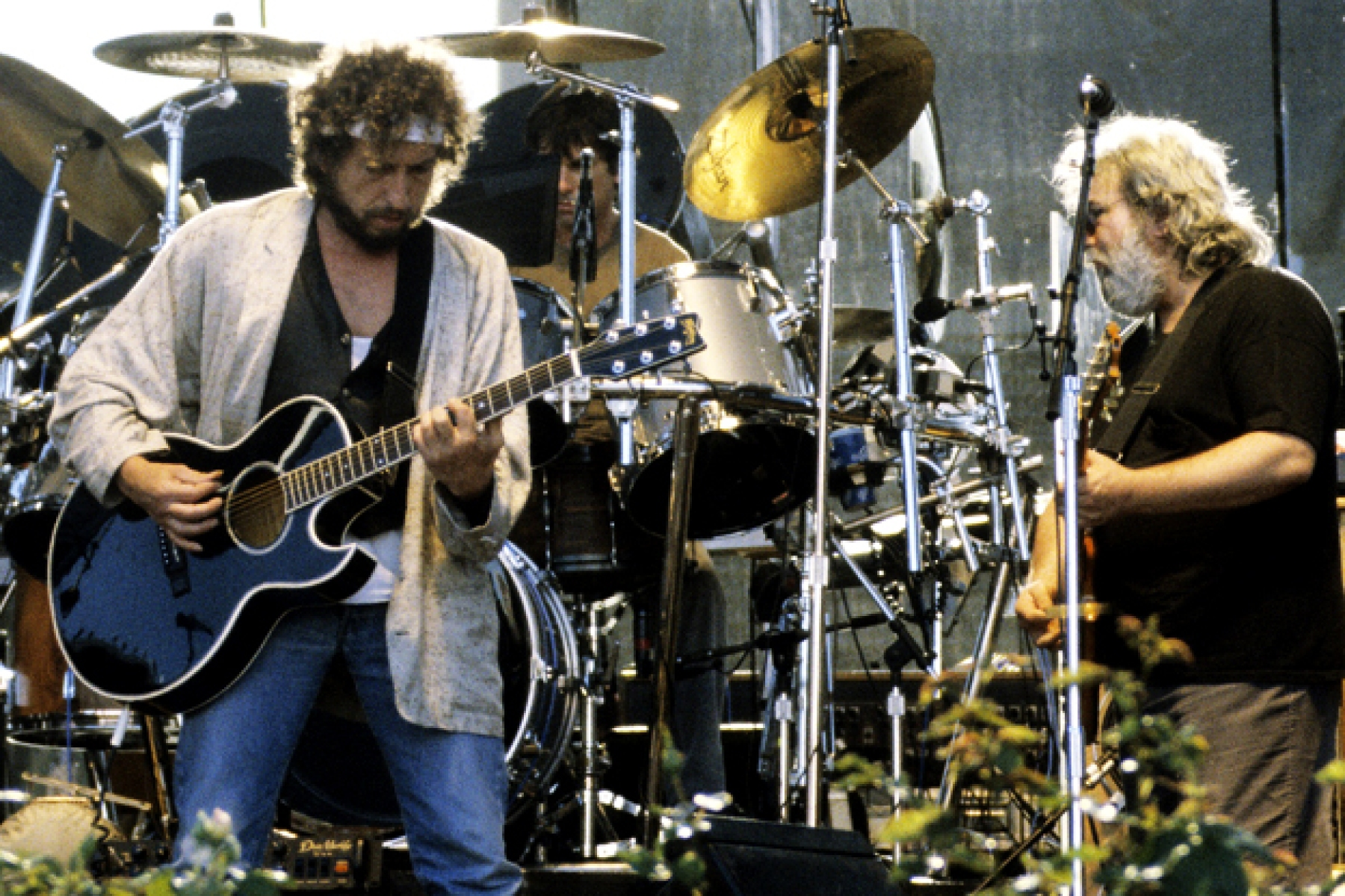 Bob Dylan pays tribute to Grateful Dead's Jerry Garcia. - Rolling Stone
