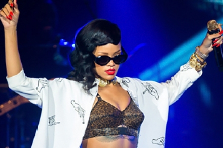 On the Charts: Rihanna On Top