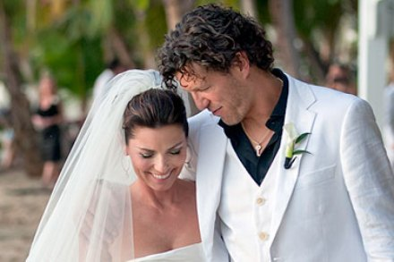 Mutt Lange And Marie Anne Thiebaud Wedding.Shania Twain S First Official Wedding Pics Rolling Stone