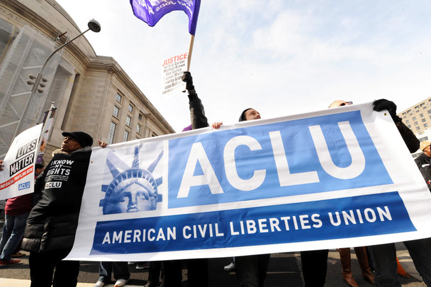 ACLU: Know Your Rights: What To Do If You're Stopped By Police, Immigration Agents or the FBI