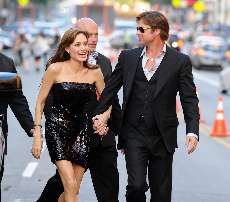 Paparazzi Angelina Jolie nudes (21 photos), Topless, Leaked, Boobs, in bikini 2006