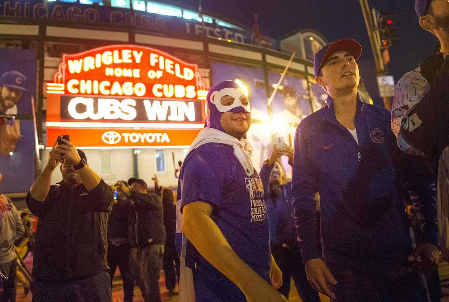 Chicago Cubs odds, Wrigleyville, Chicago gentrification, Metro Chicago, Cubs playoffs,