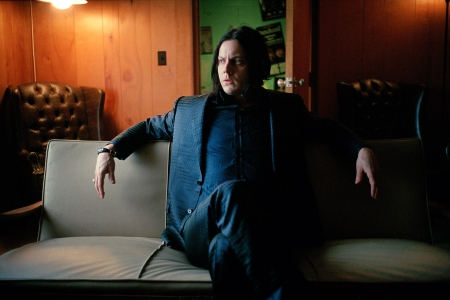 Tremendous Jack White Redesigns Antique Sofa From Sam Phillips Cjindustries Chair Design For Home Cjindustriesco