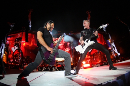 Metallica Kick Off Tour With Larger-Than-Life Spectacle
