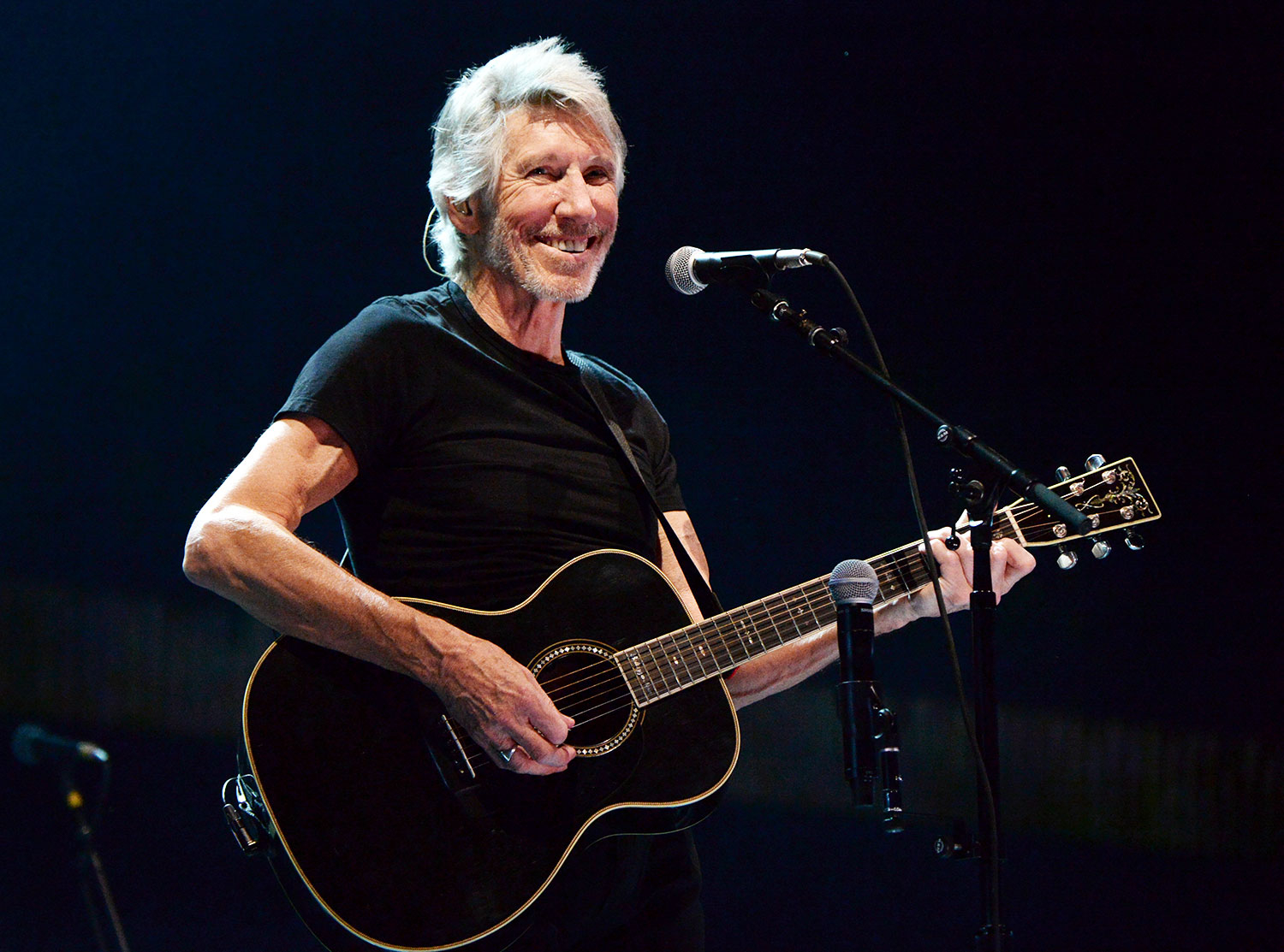 roger waters talks new album moving past spectacle for tour rolling stone. Black Bedroom Furniture Sets. Home Design Ideas