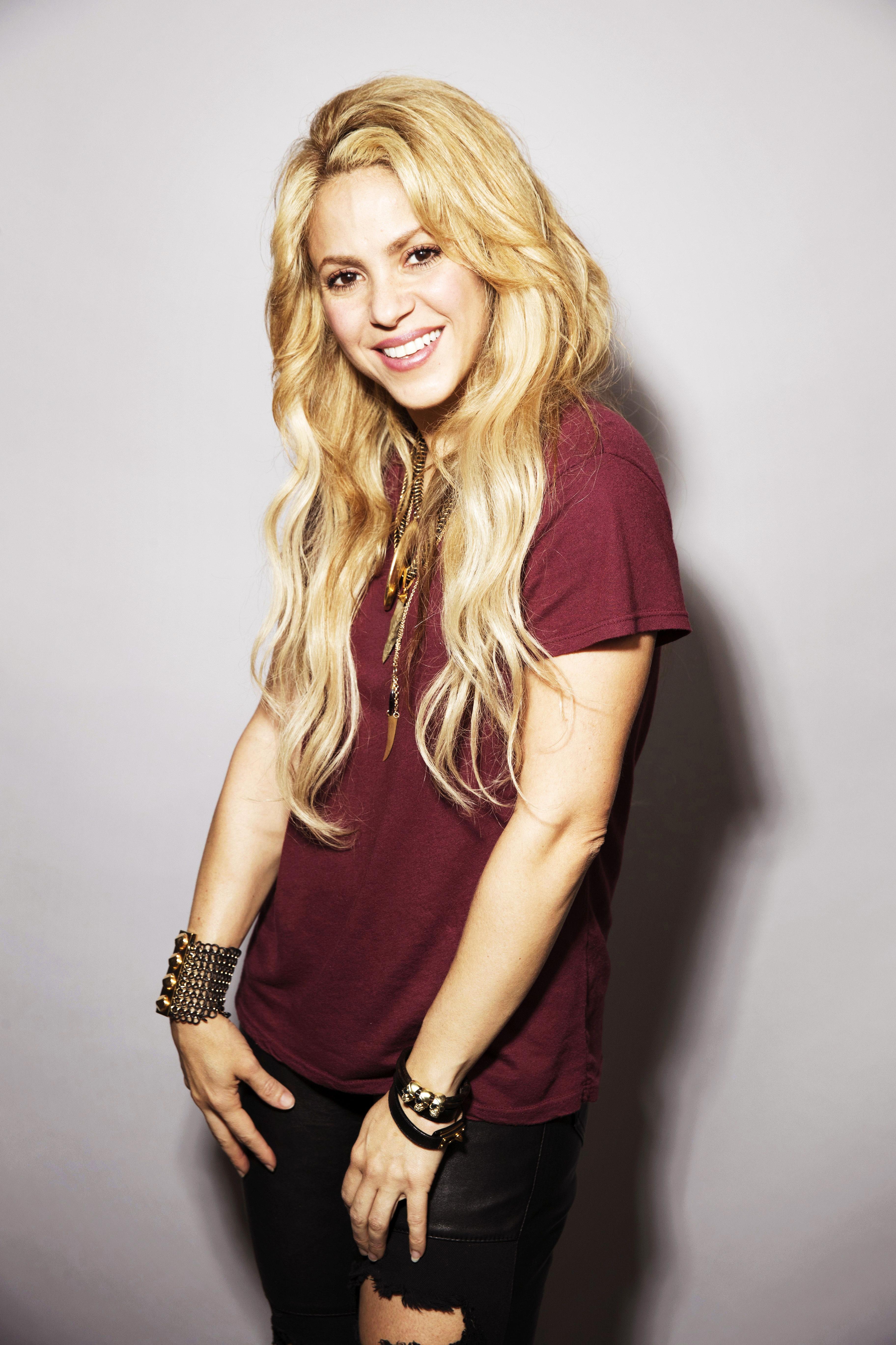 Shakira naked (89 photos), Tits, Fappening, Twitter, braless 2006
