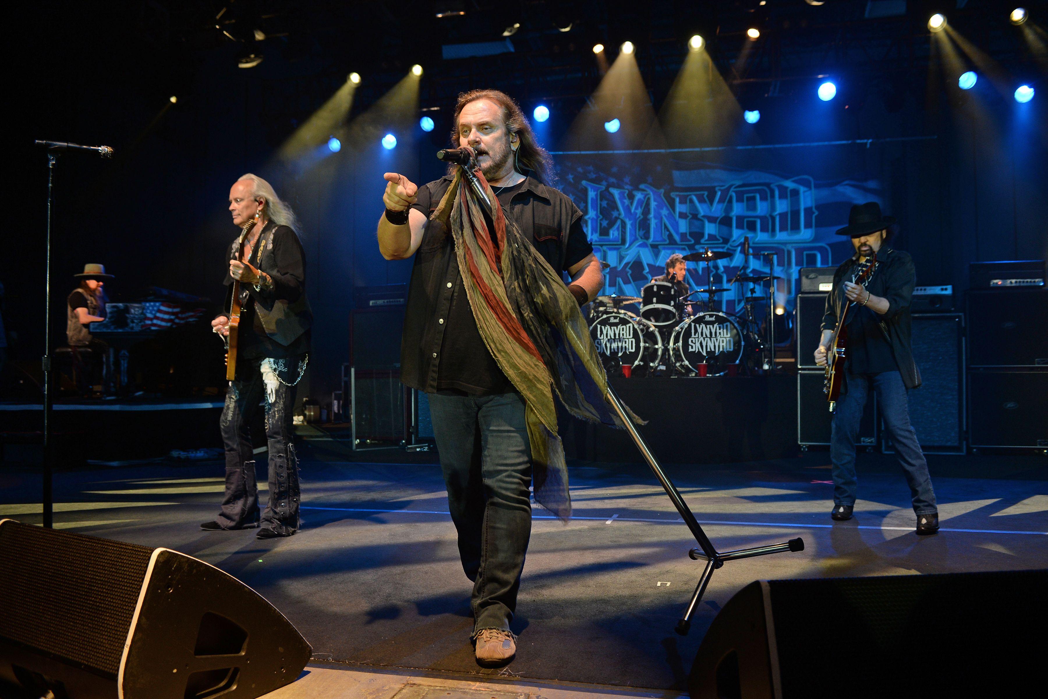 Lynyrd Skynyrd Set Hometown Stadium Gig